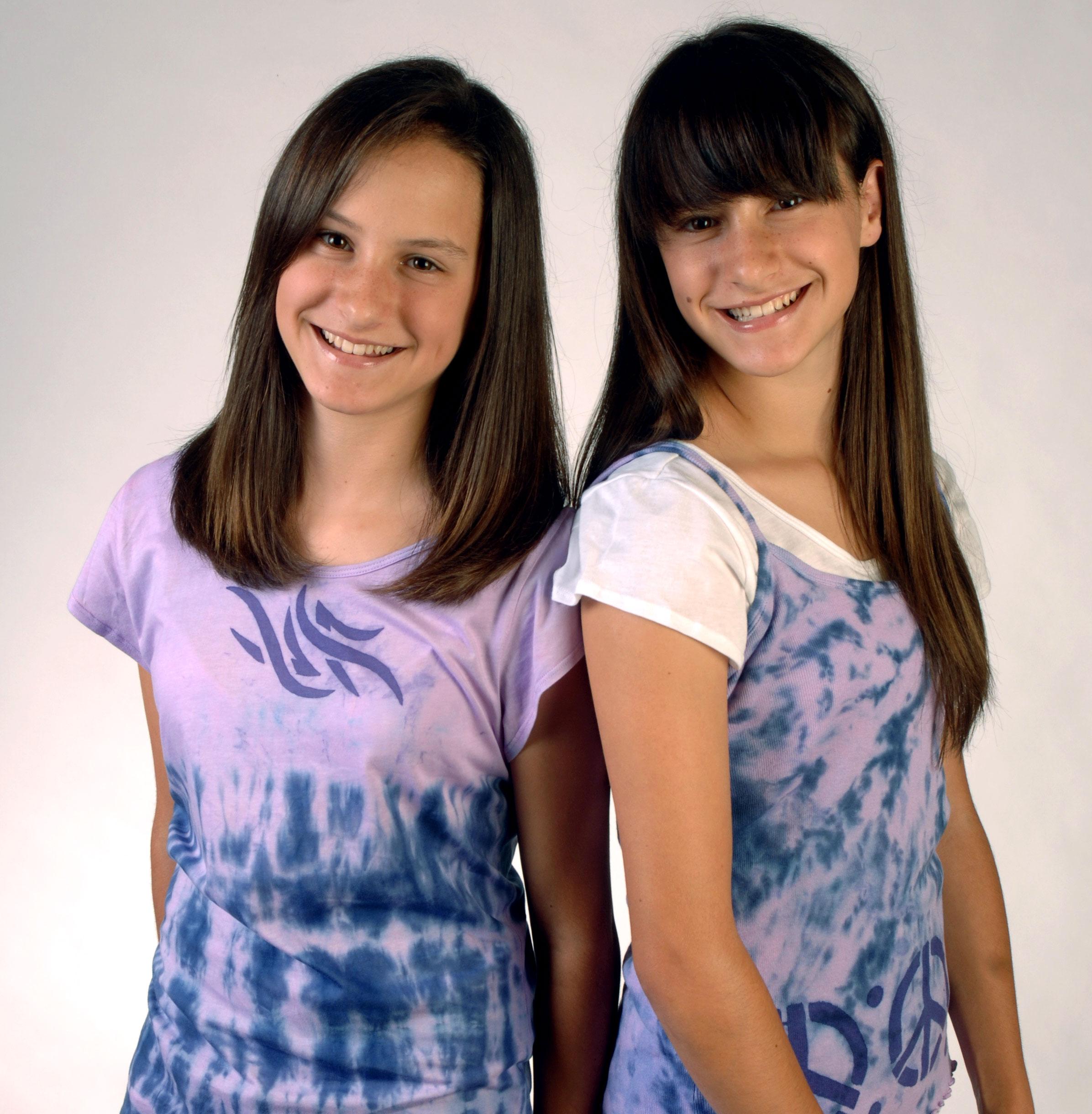 color-magent-2-girls-purple.jpg