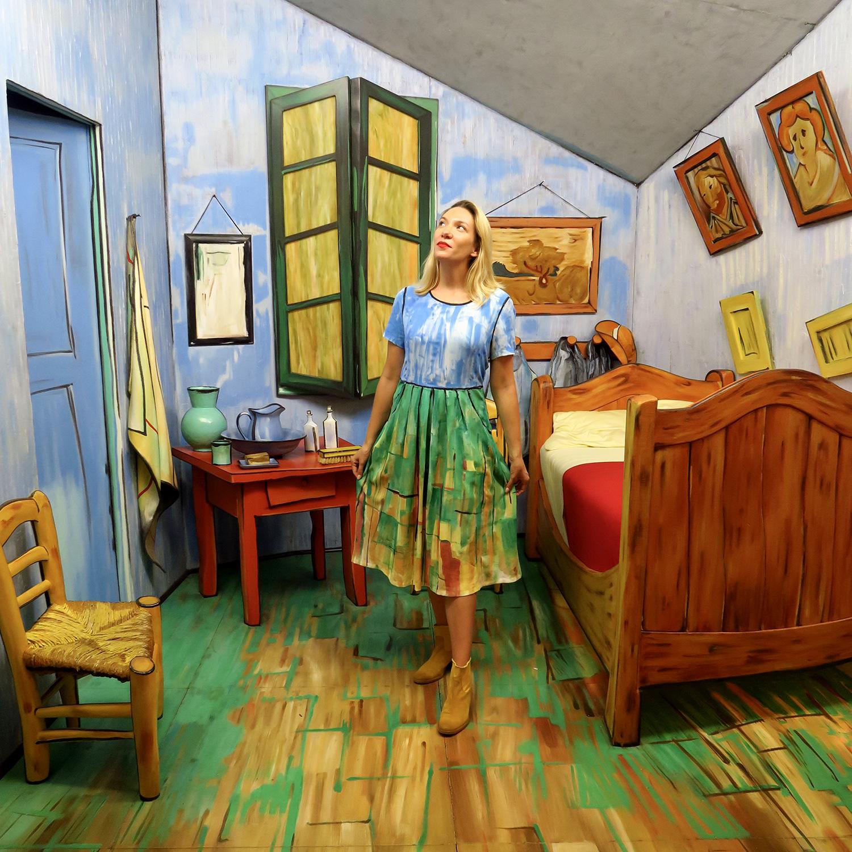 Artfully-Awear-Van-Gogh-Bedroom-5.jpg