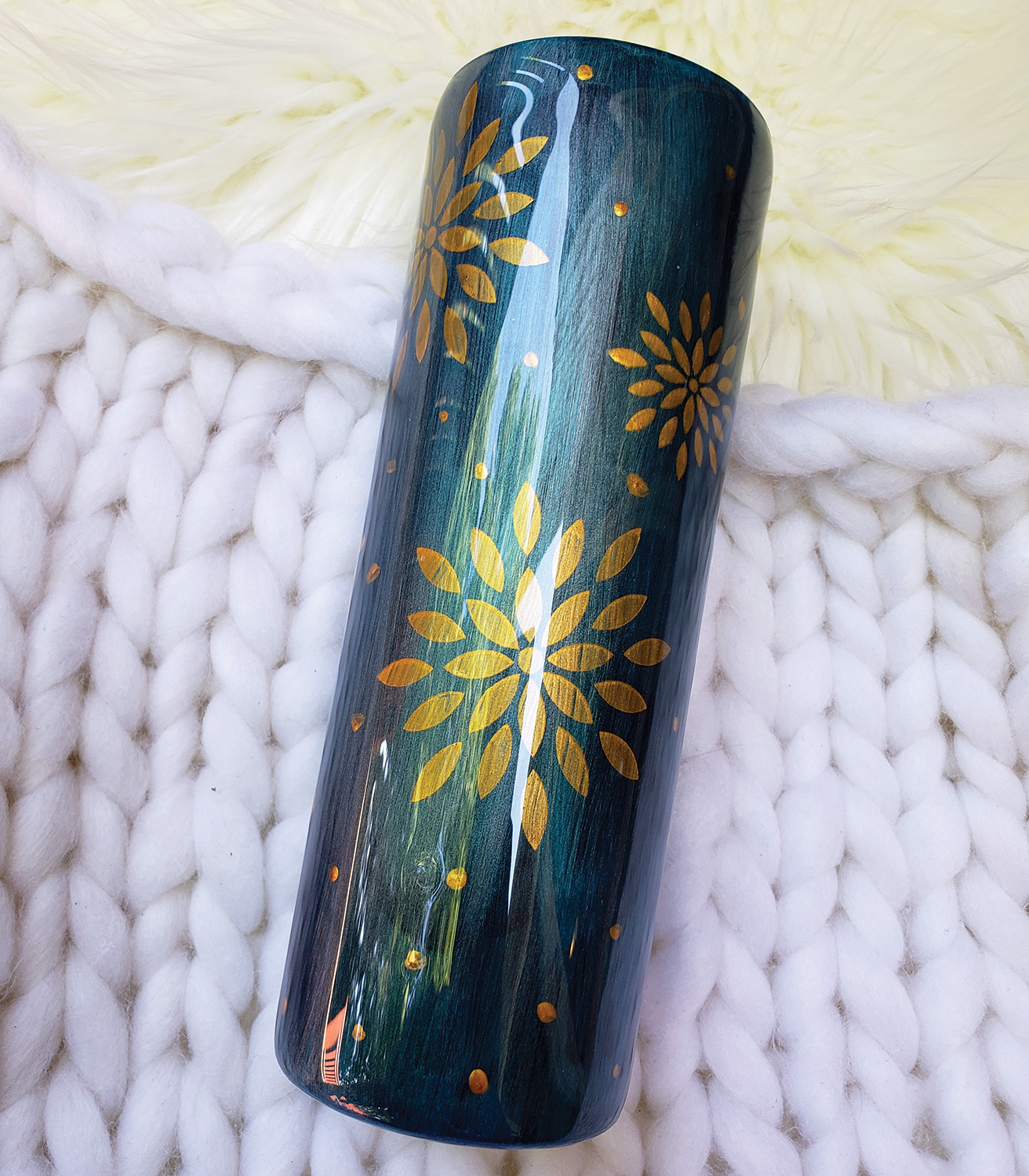 Resin and Pearl Ex tumbler by Jessica Jewell - facebook.com/BlueberryLaneTumblers
