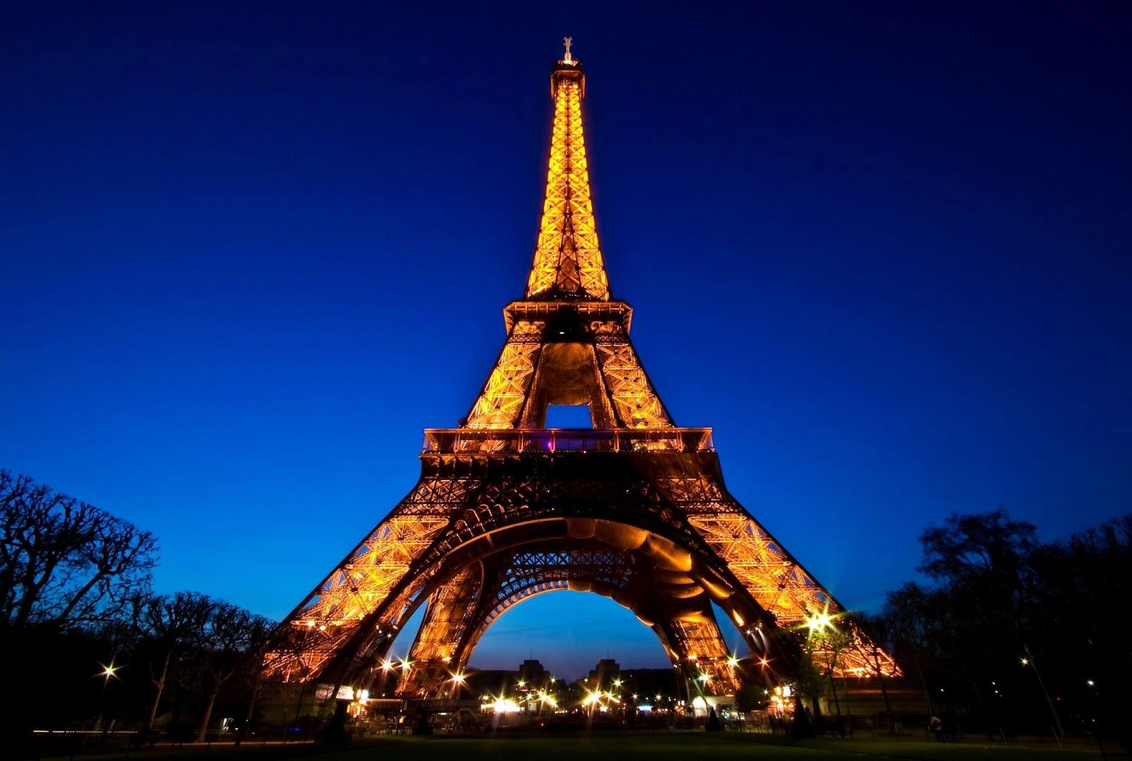 Eiffel-Tower-in-Paris-France.jpg