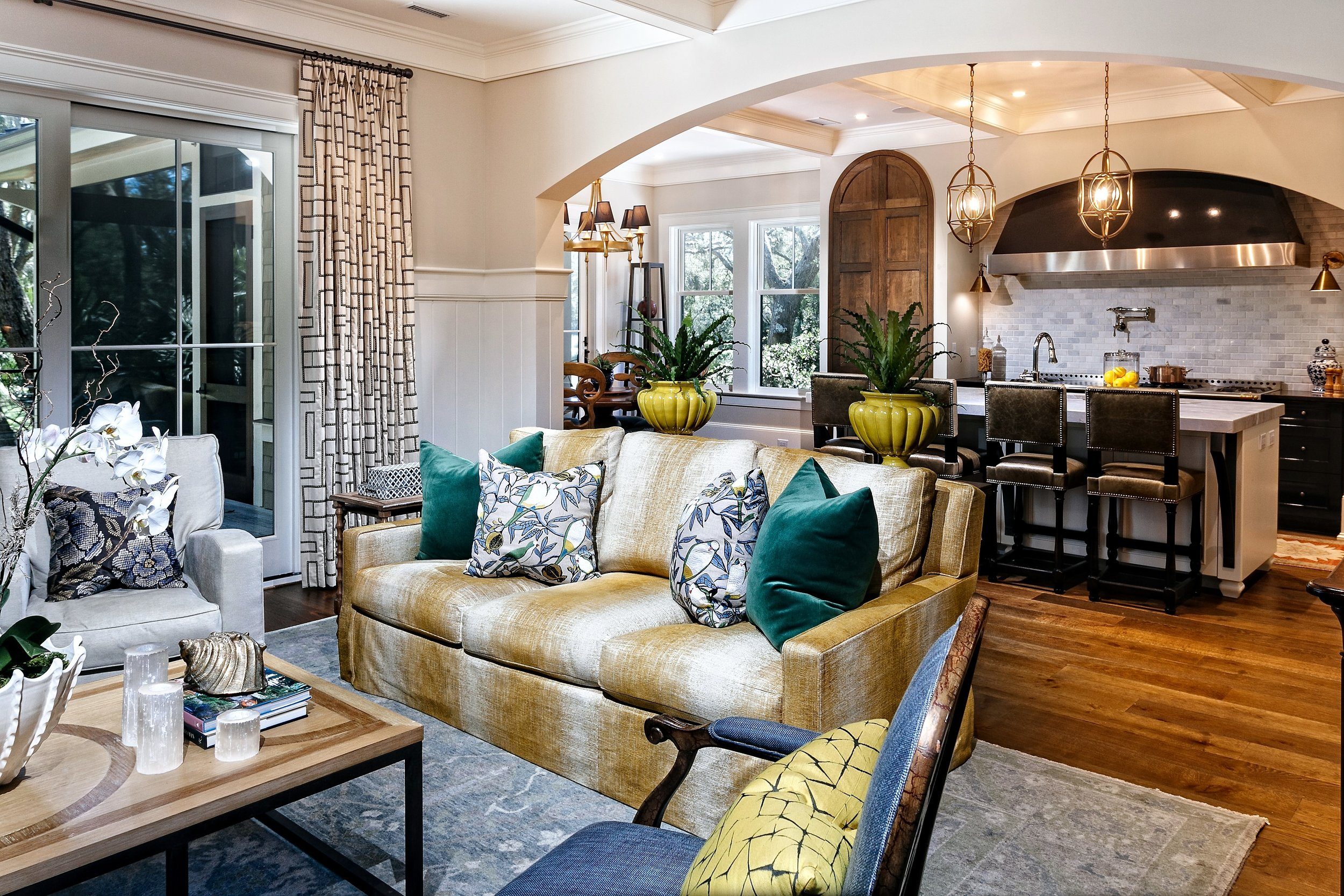 6 Living room to kitchen.jpg