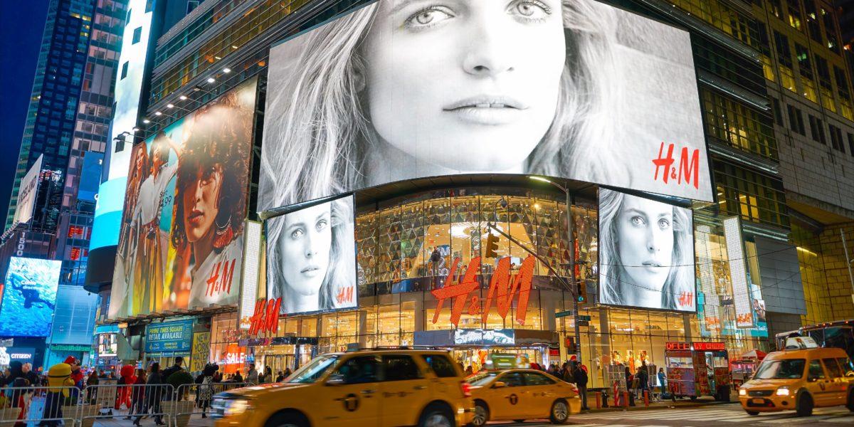 H&M Times Square.jpg