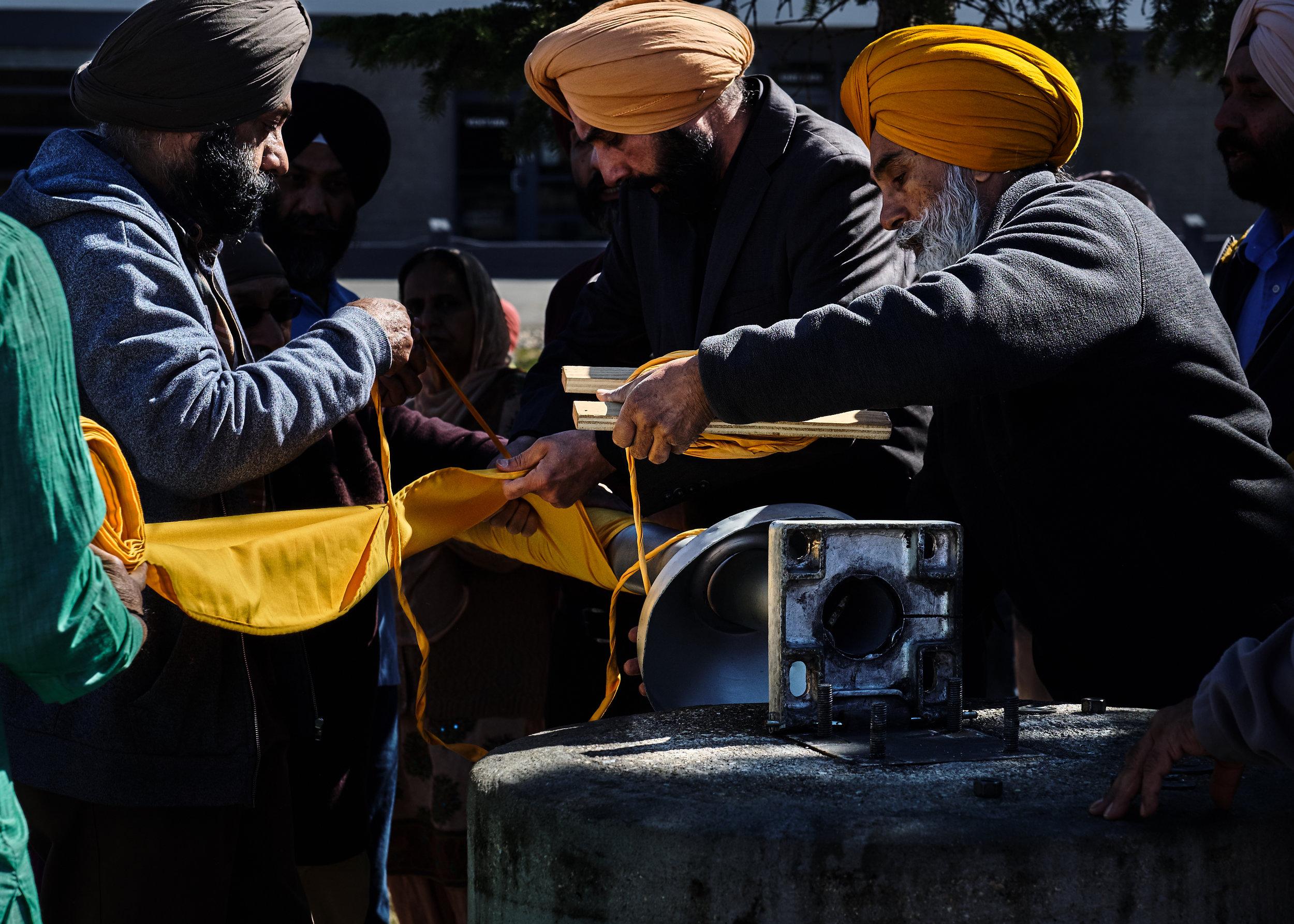 Wpg_South_Sikh_Centre-Nishaan_Sahib_07.jpg