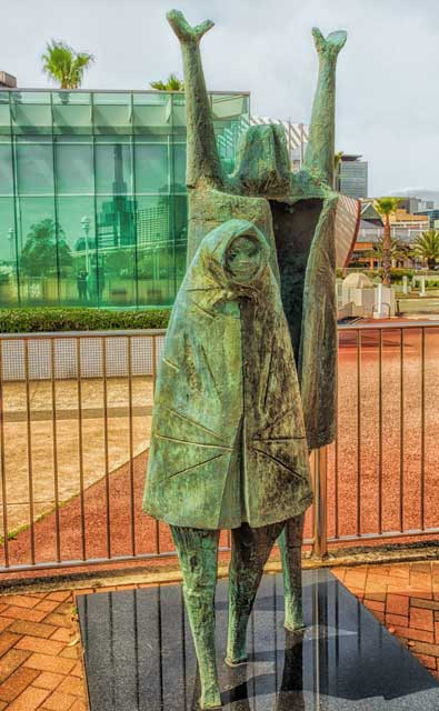 StatueKobe1_HDRFinal.jpg