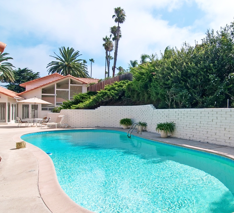 MUIRLANDS POOL HOME (RENTED) - ADDRESS PRIVATE