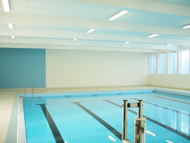 Flosta Skole  Rehabilitert Svømmehall