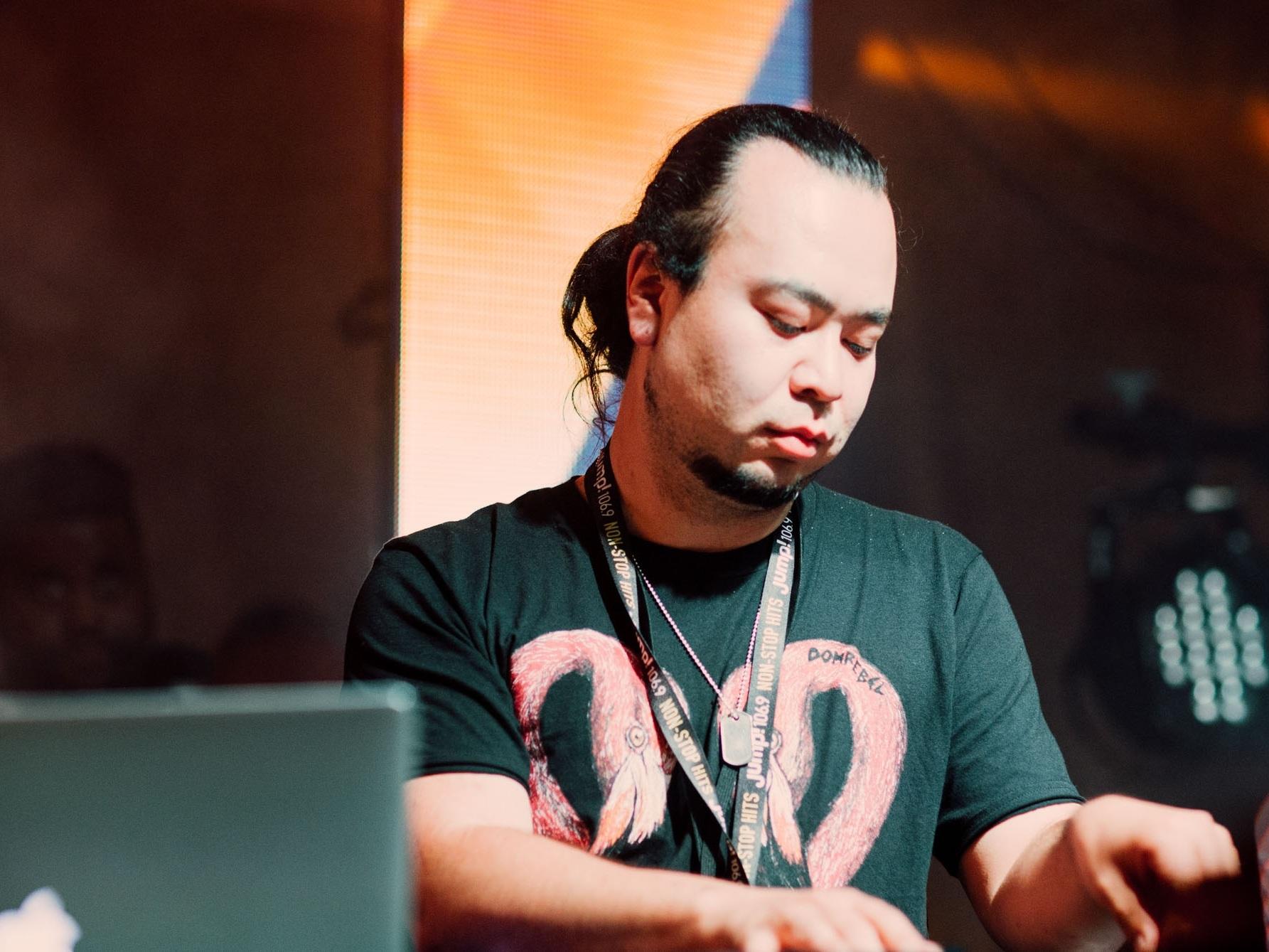 DJ ILON -