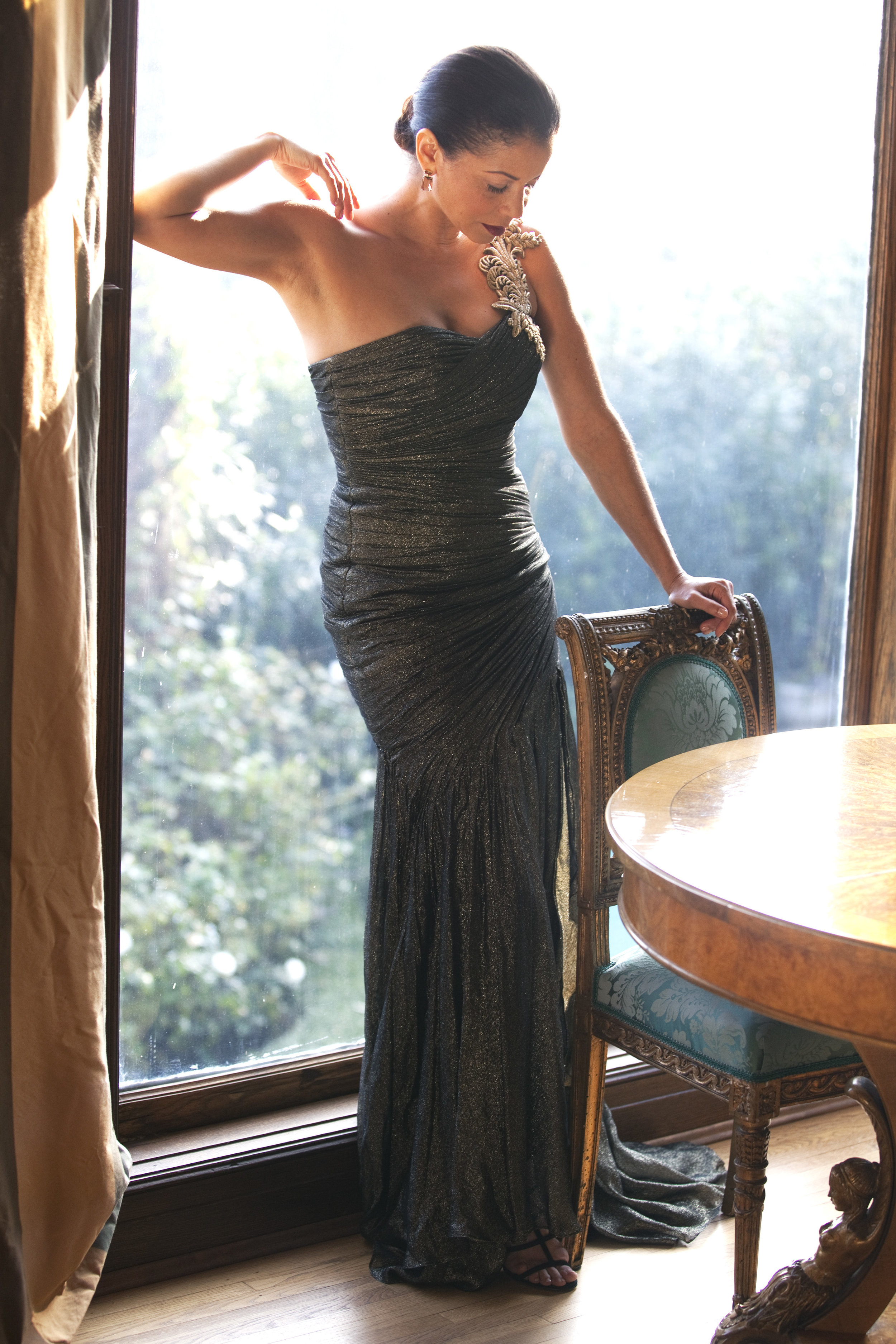Gloria Reuben in Hollywood