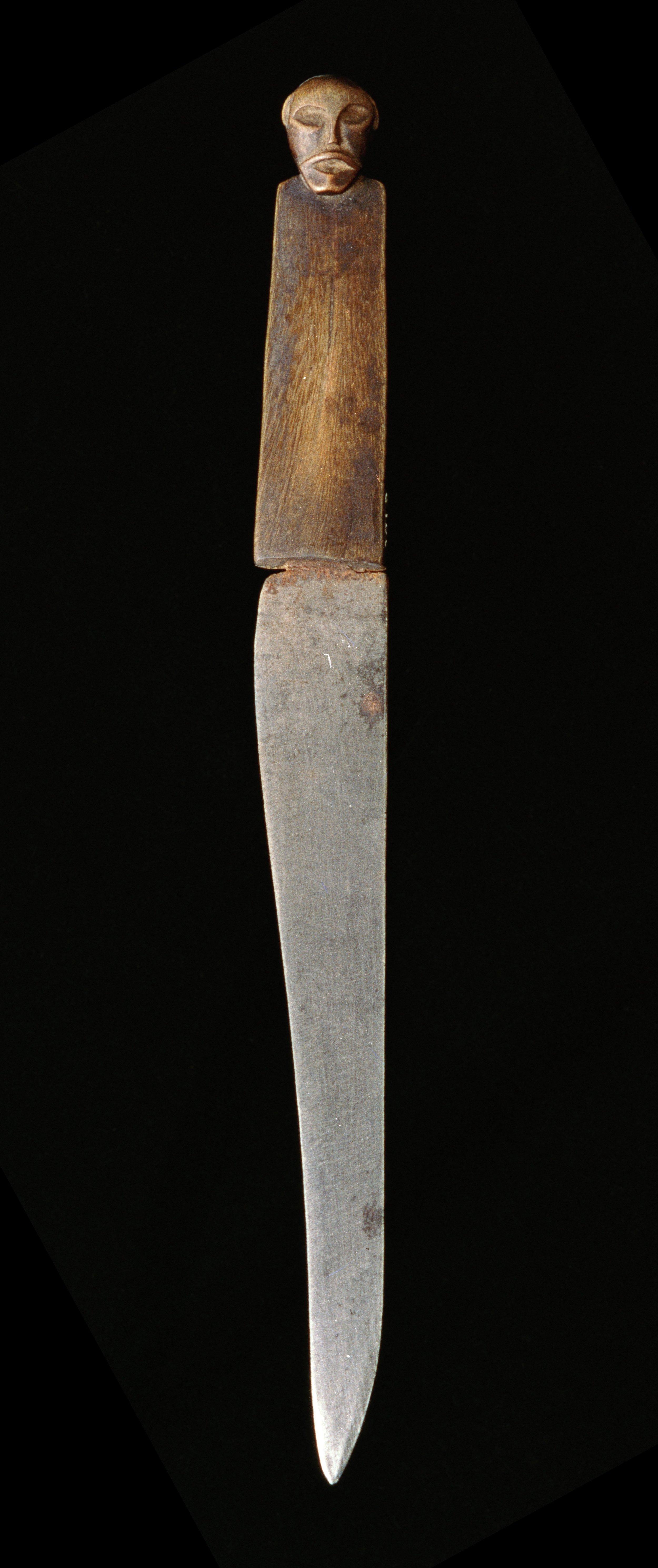 Ritual Knife with Head of Slain Enemy © Museo di Storia Naturale dell'Università di Firenze | Italy