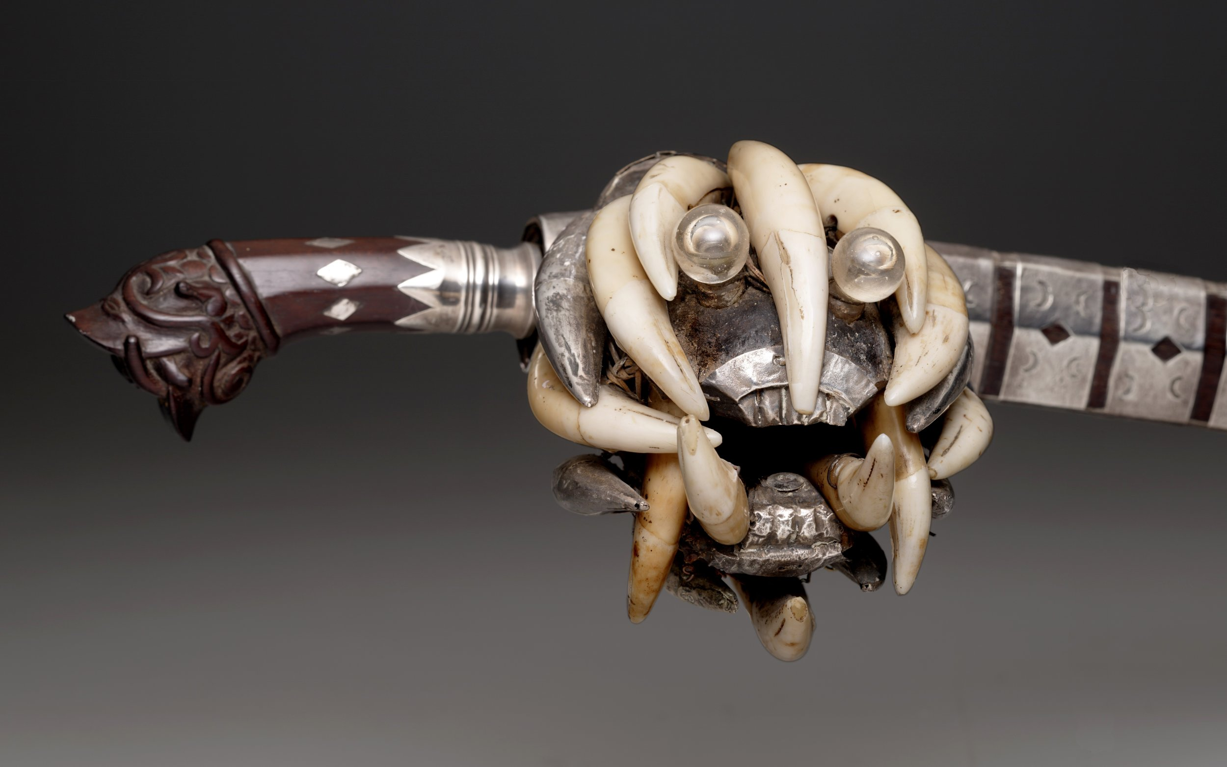 Detail of a Chief's Sword |  Balatu Sala  © The Dallas Museum of Art | Texas, USA
