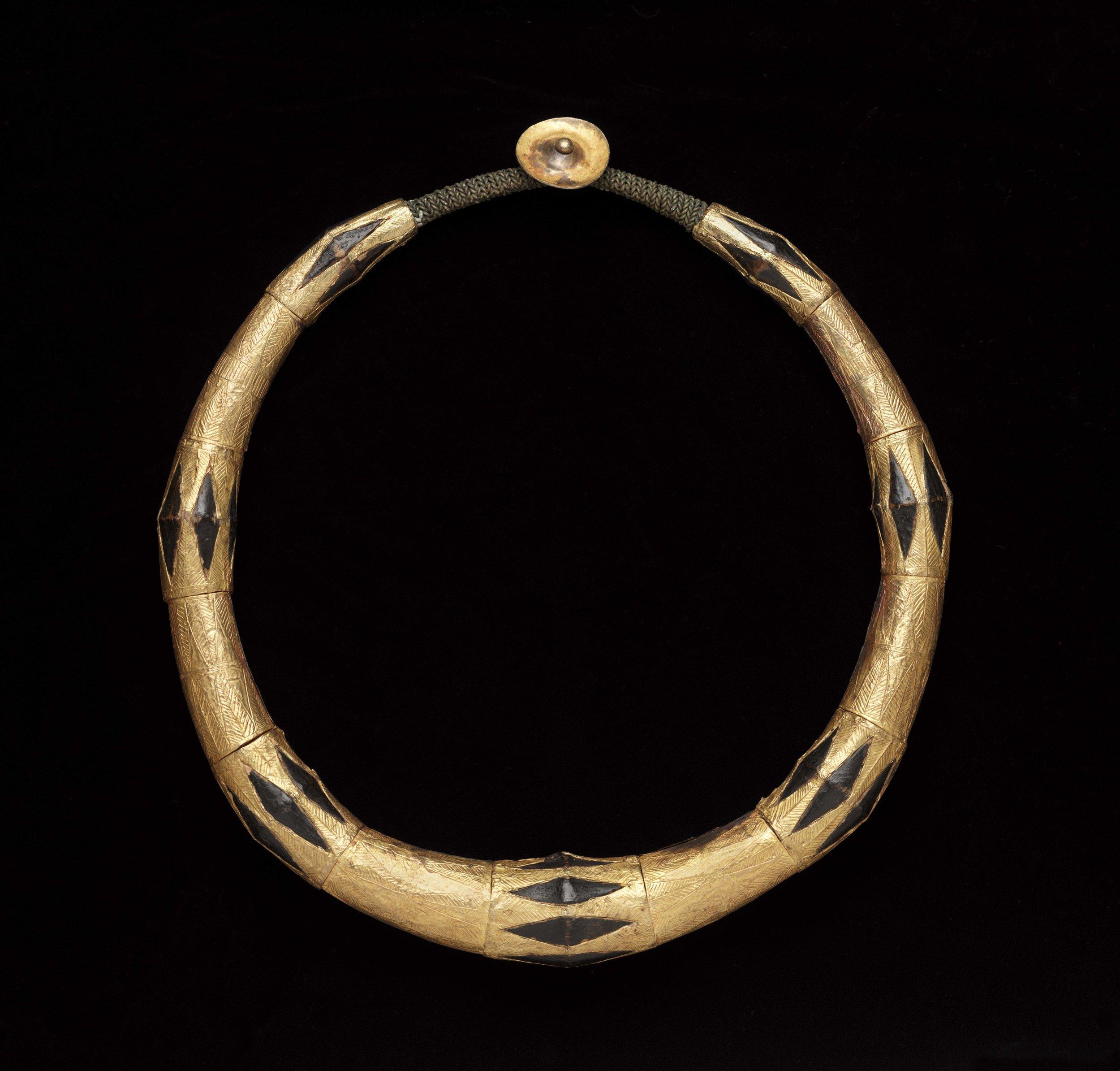 Chieftan's Headhunter Torc |  Kalabubu  © The Dallas Museum of Art | Texas, USA