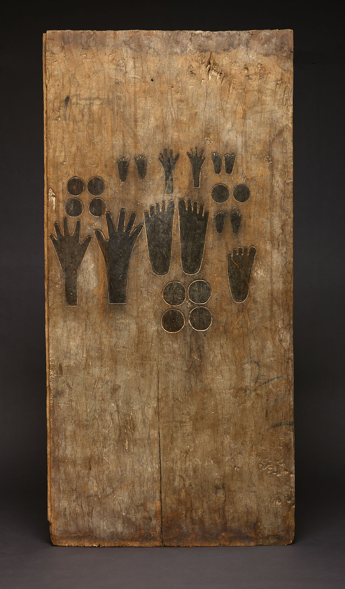 Memorial Board Representing Deceased Family Members |  Kirekat  © The Dallas Museum of Art | Texas, USA