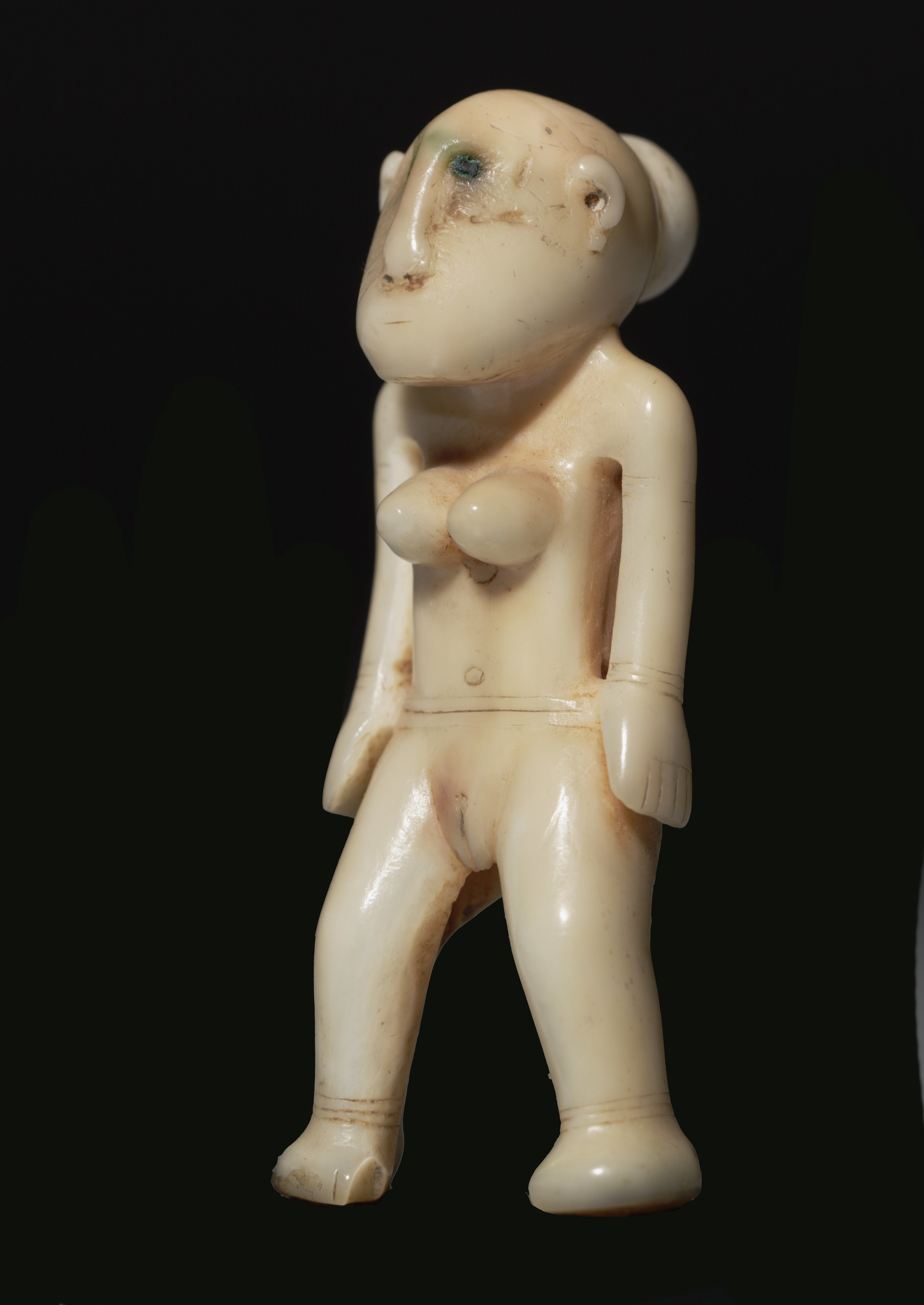 Standing Charm Carved from a Dugong's Tooth © The Dallas Museum of Art | Texas, USA
