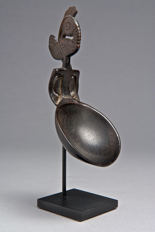 Atoni  Ceremonial Horn Spoon |  Nura Dikun  © Yale University Art Gallery | Texas, USA