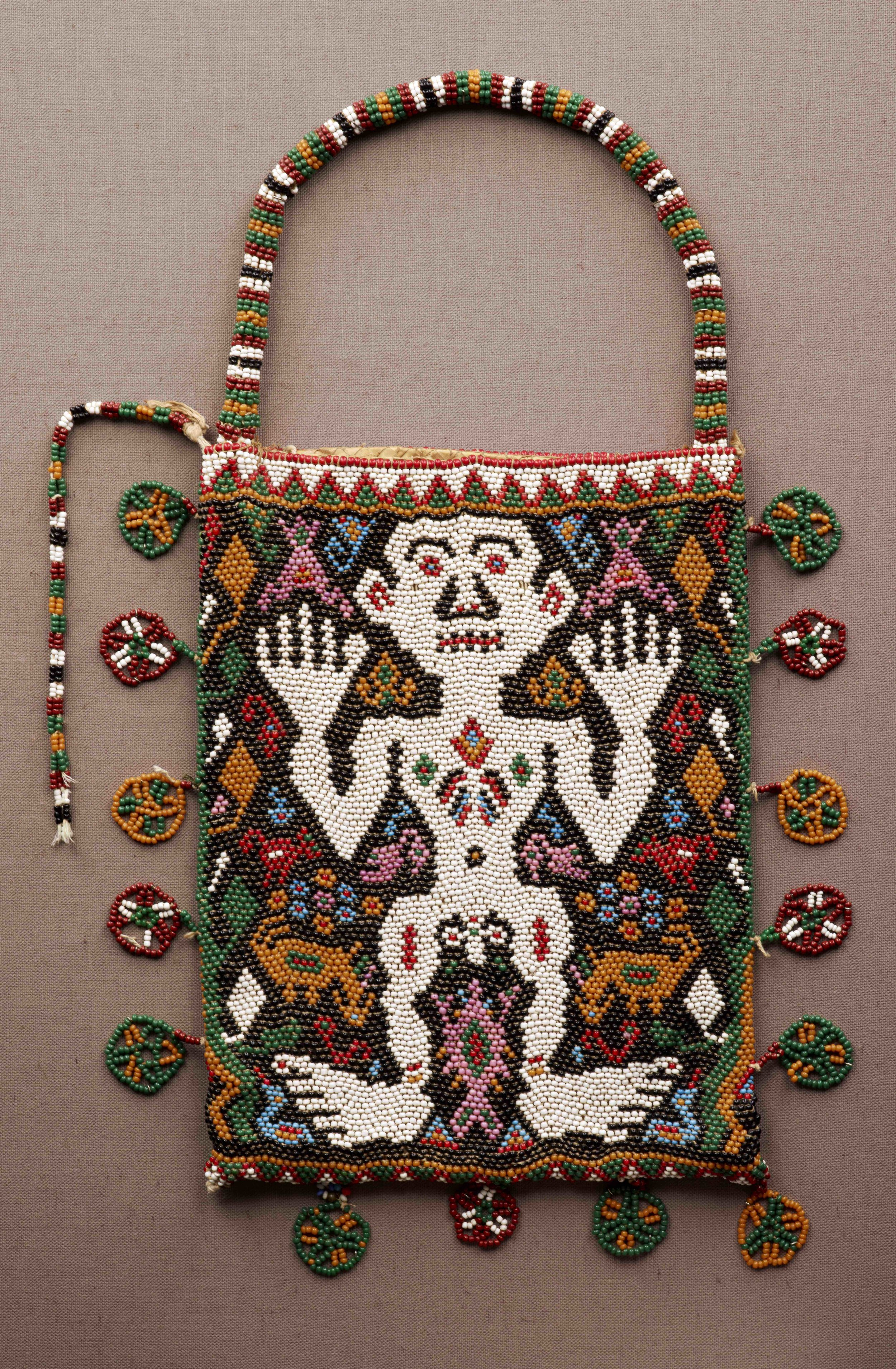 Beaded Bag © The Dallas Museum of Art | Texas, USA