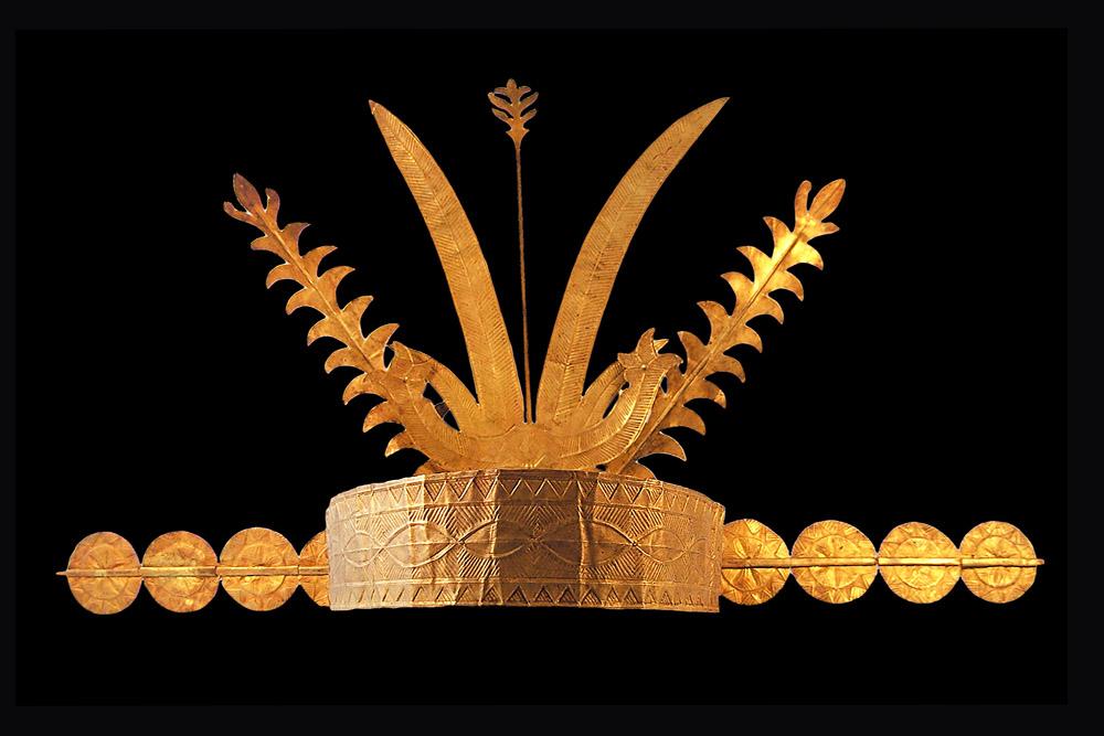 Female's Golden Crown from South Nias |  Rai Högö  © Museum Pusaka Nias | Indonesia