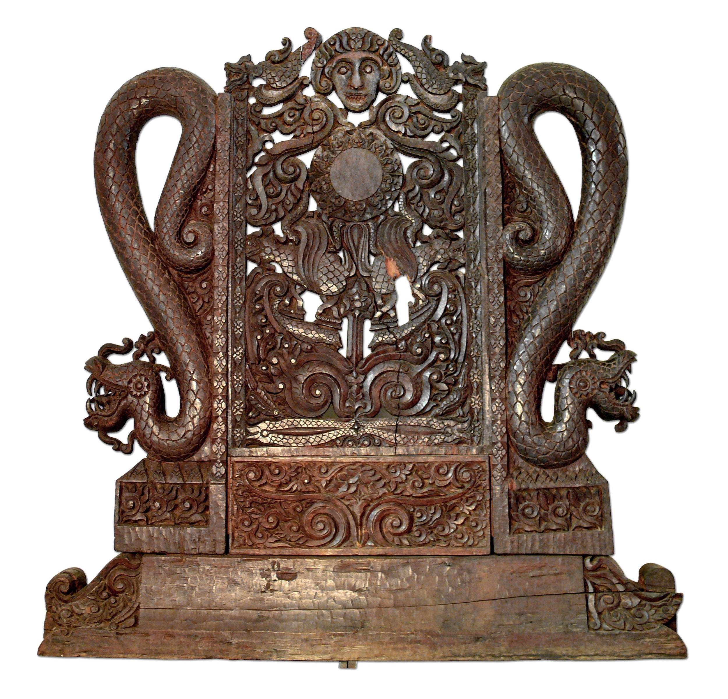 Ceremonial Seat |  Sesako  © Museum Nasional Indonesia