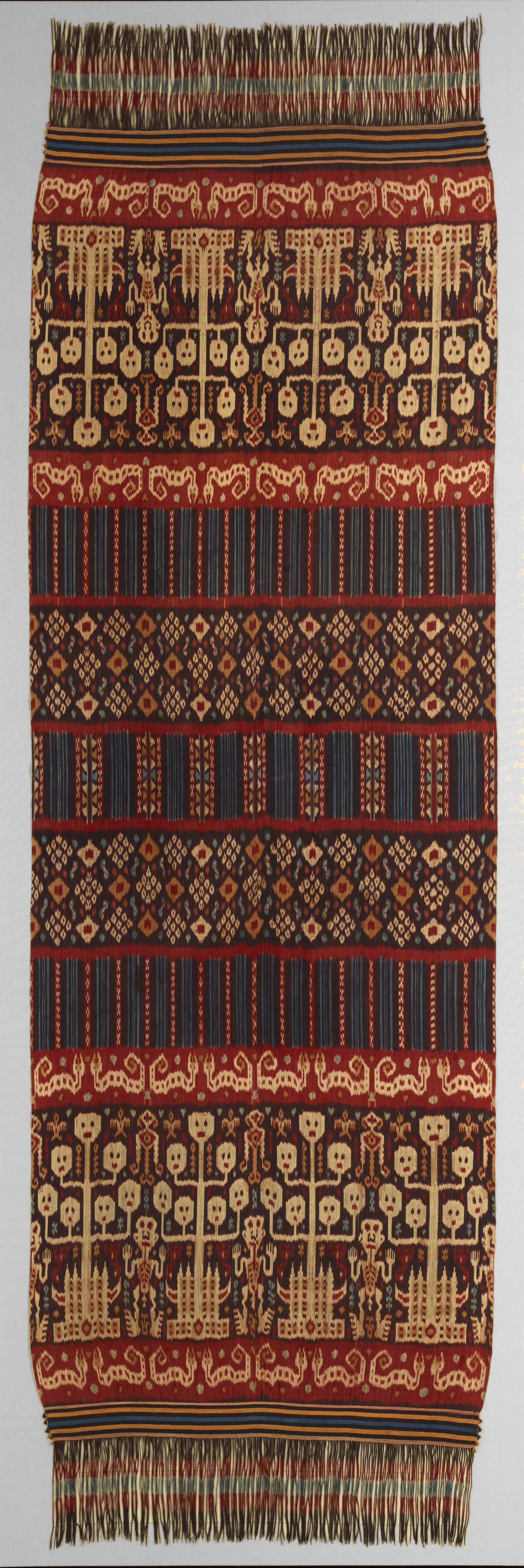 Man's Ceremonial Ikat Mantle |  Hinggi  © The Dallas Museum of Art | Texas, USA