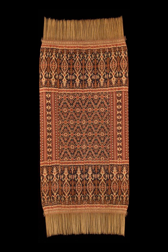 Man's Ceremonial Ikat Mantle |  Hinggi  © The Dallas Museum of Art | USA