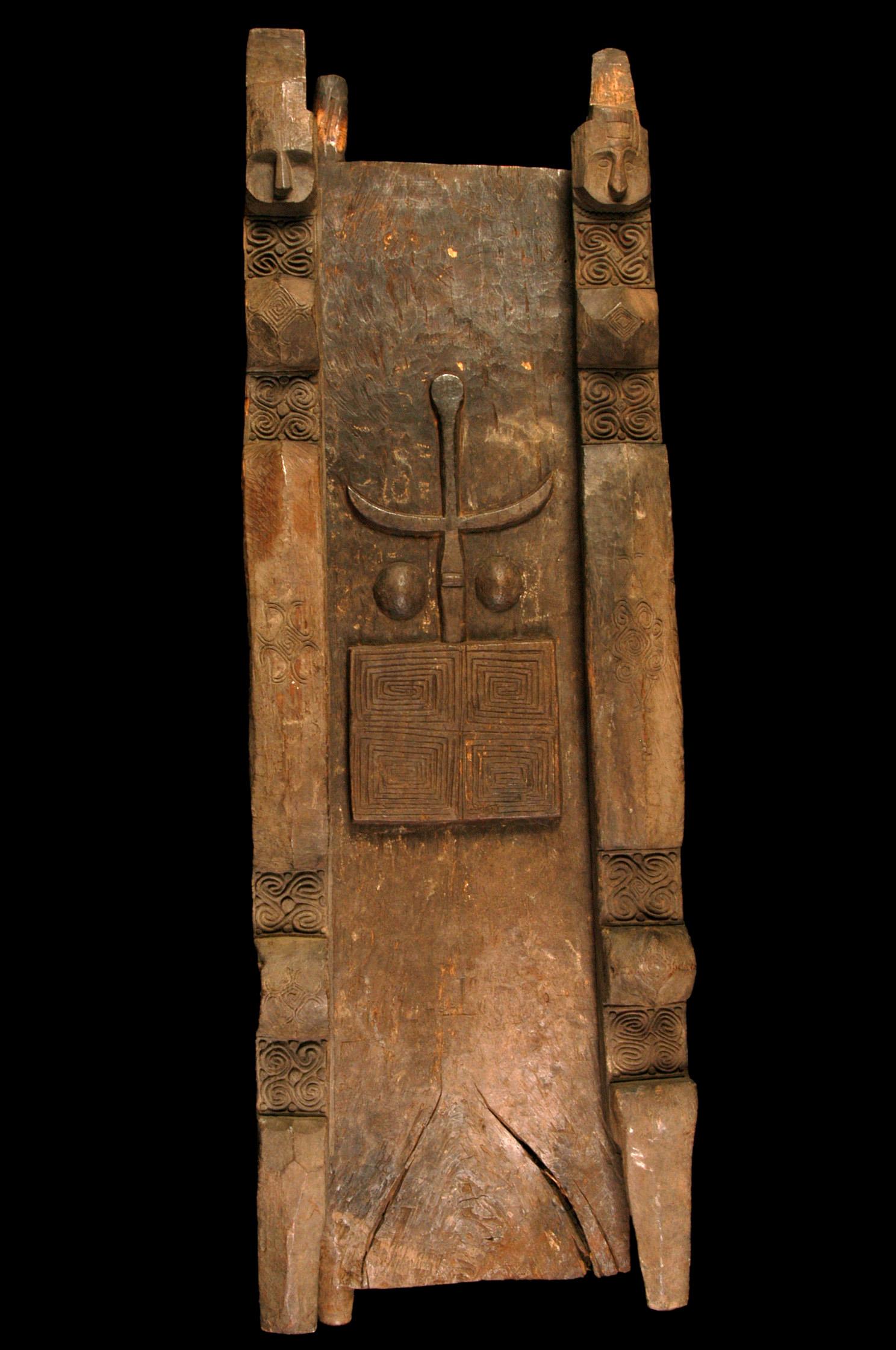 Belu  Ceremonial House Door and Posts © Musée du Quai-Branly | France