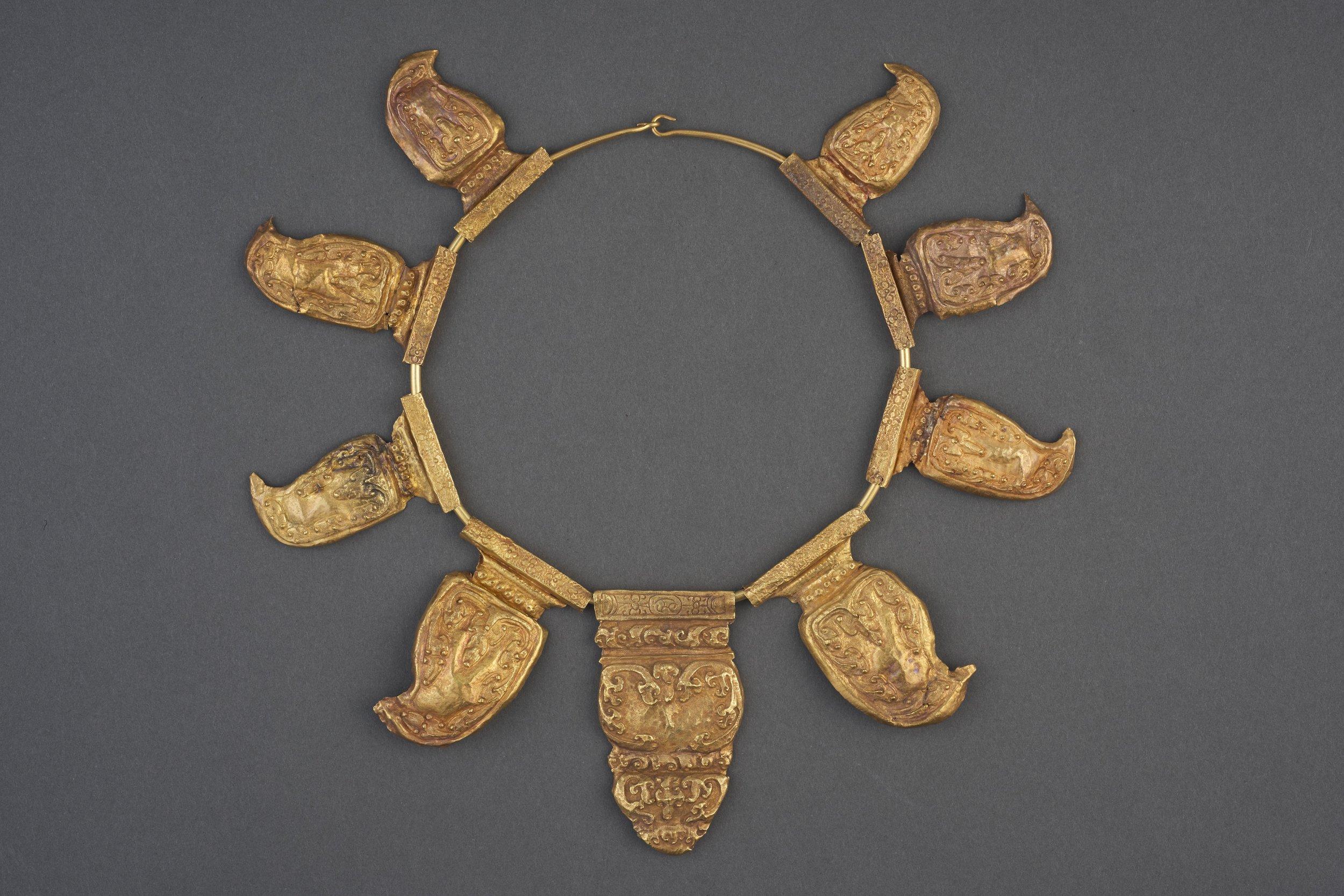 Necklace. © Asian Civilisations Museum