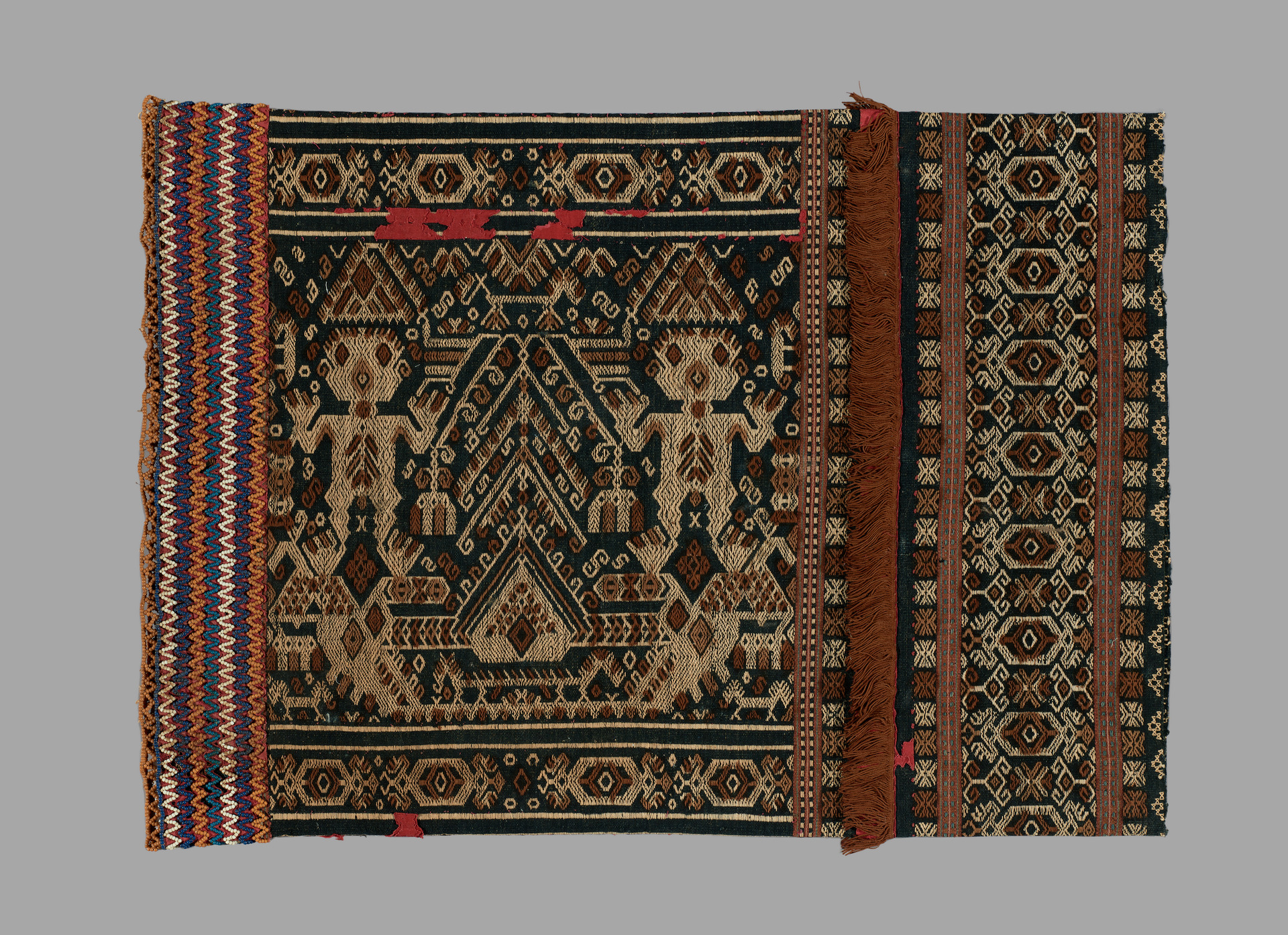 Lau Pahudu Fragment   Sumba © Yale University Art Gallery