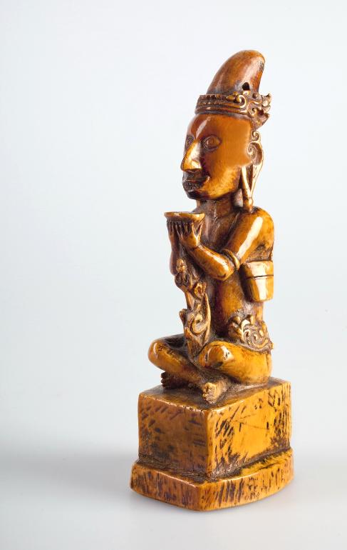 Carved Ivory Figure © Nationaal Museum van Wereldculturen   The Netherlands