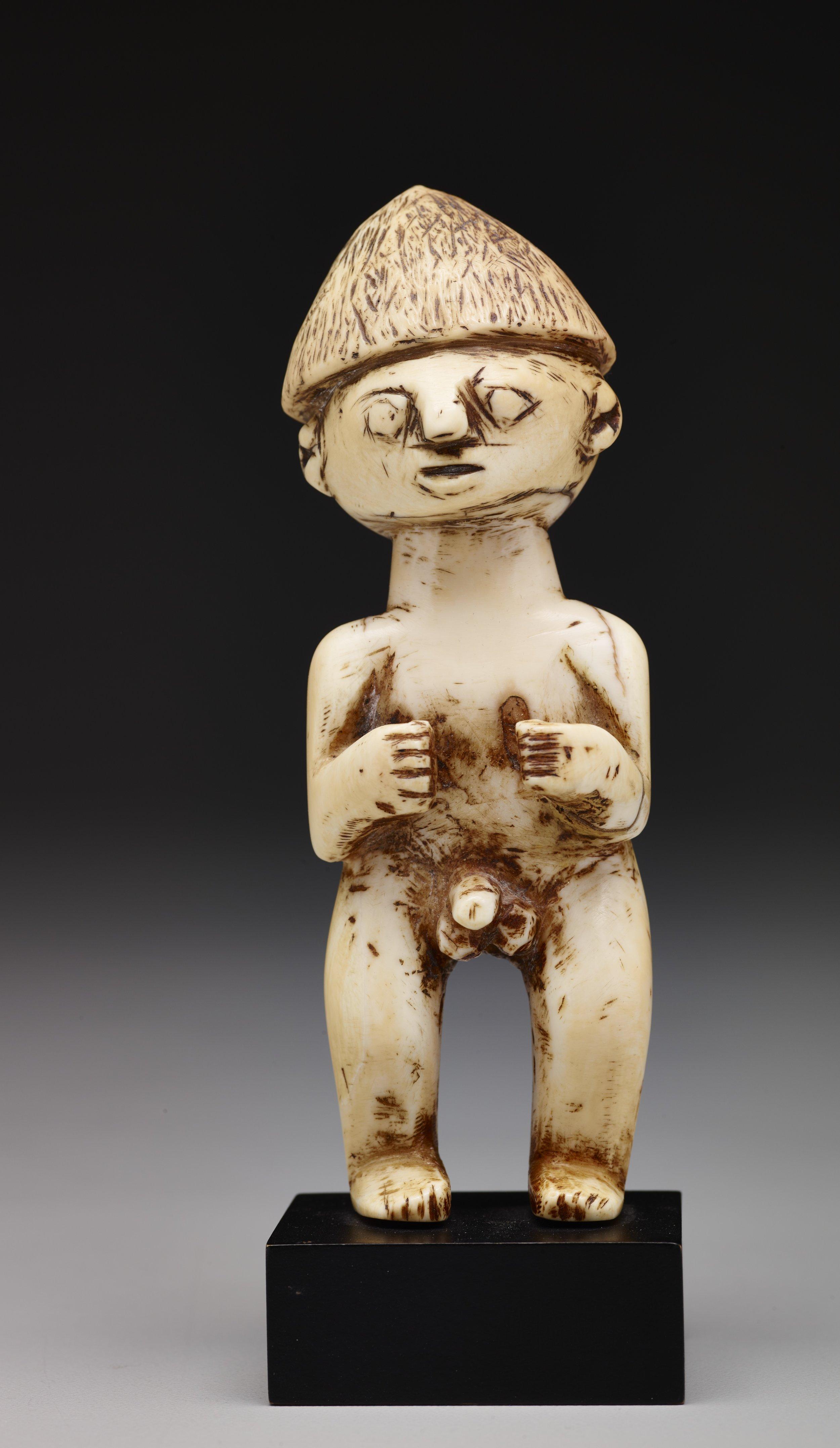 Ivory Charm   Kai Islands © Dallas Museum of Art   Texas, USA