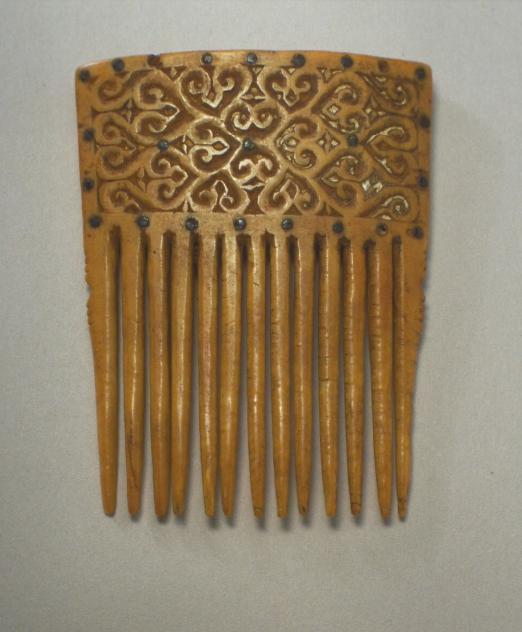 Ivory Comb   Yamdena Island © Nationaal Museum van Wereldculturen   The Netherlands