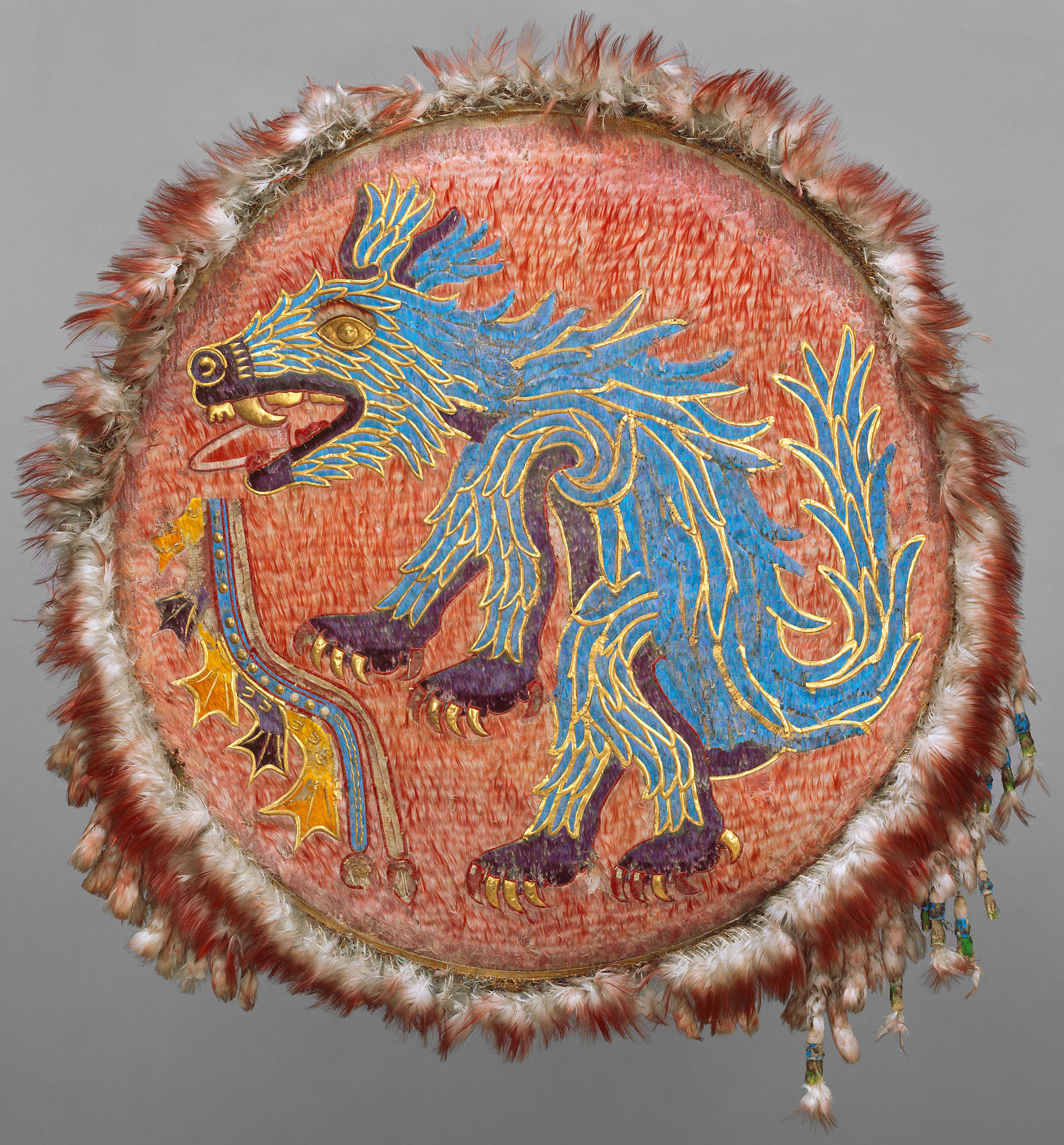Mesoamerican Feather Shield with Coyote | Circa 1500 © KHM-Museumsverband