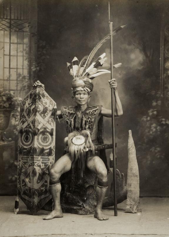 Dayak Warrior   Borneo   1900 - 1940  © Nationaal Museum van Wereldculturen   The Netherlands