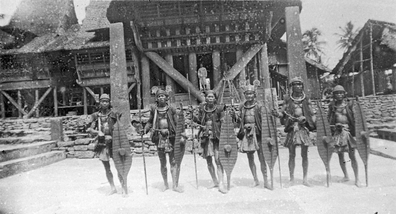 Nias Warriors   1900 - 1925 © Nationaal Museum van Wereldculturen   The Netherlands