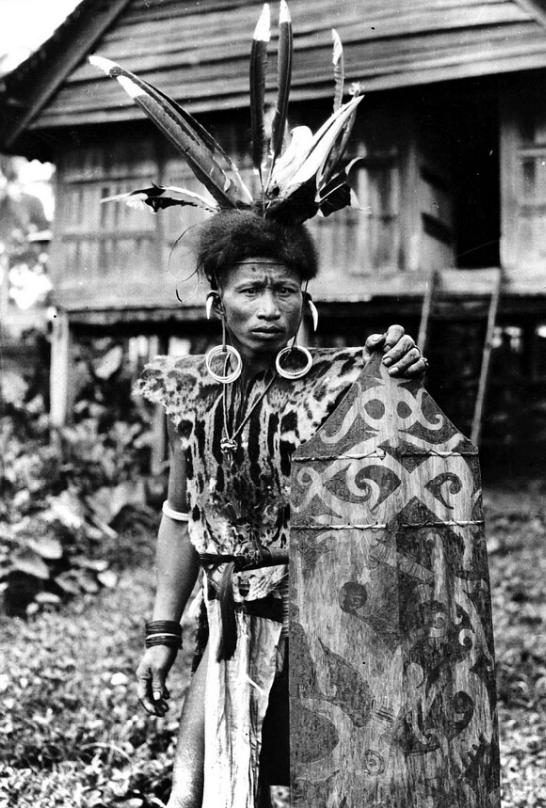 Kutai Dayak Warrior   Borneo   Before 1948  © Nationaal Museum van Wereldculturen   The Netherlands