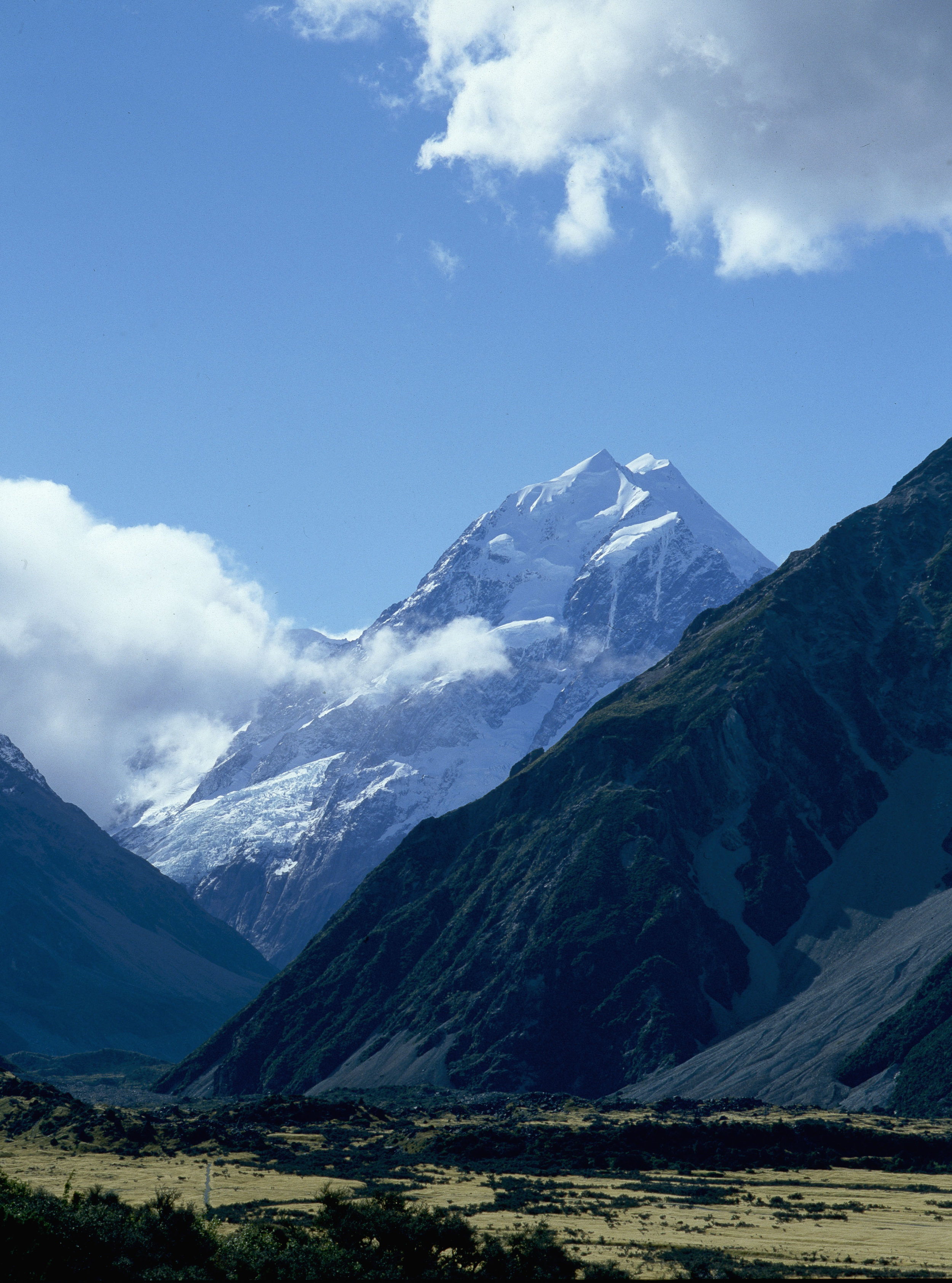 Mount Cook. Country of Origin: New Zealand. Place of Origin: South Island.   Inv. #: 11715113 © Werner Forman Archive