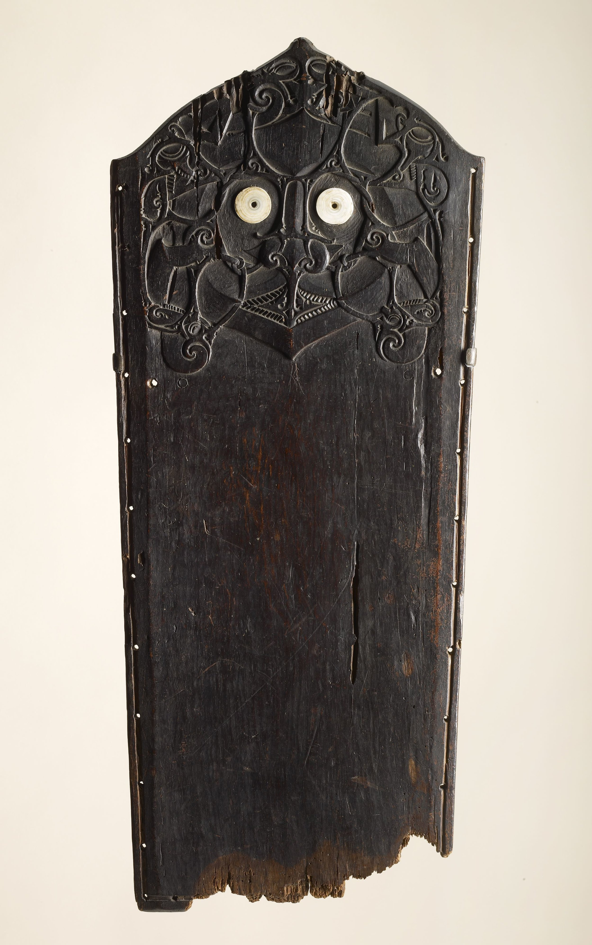 Dayak Woman's Work Board | Borneo © de Young | Fine Arts Museums of San Francisco