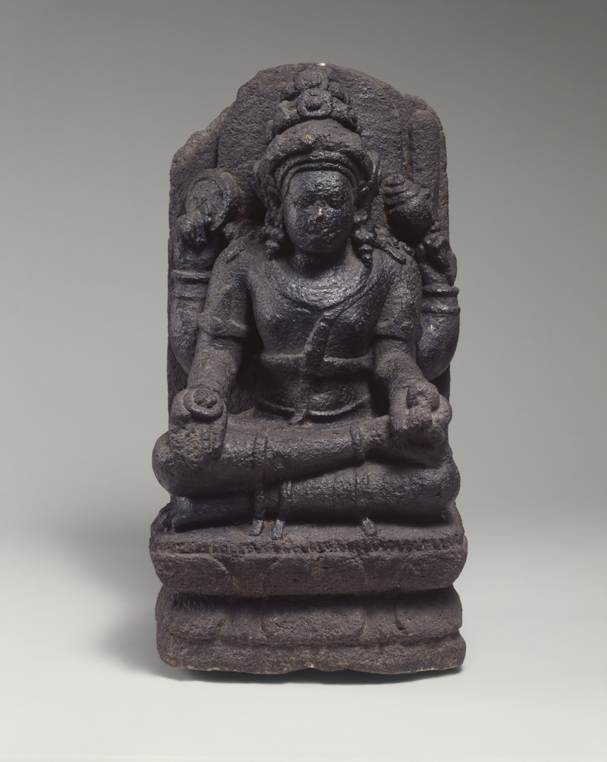 Four-Armed Seated Stone Figure of Vishnu | Central Java © Asian Art Museum of San Francisco
