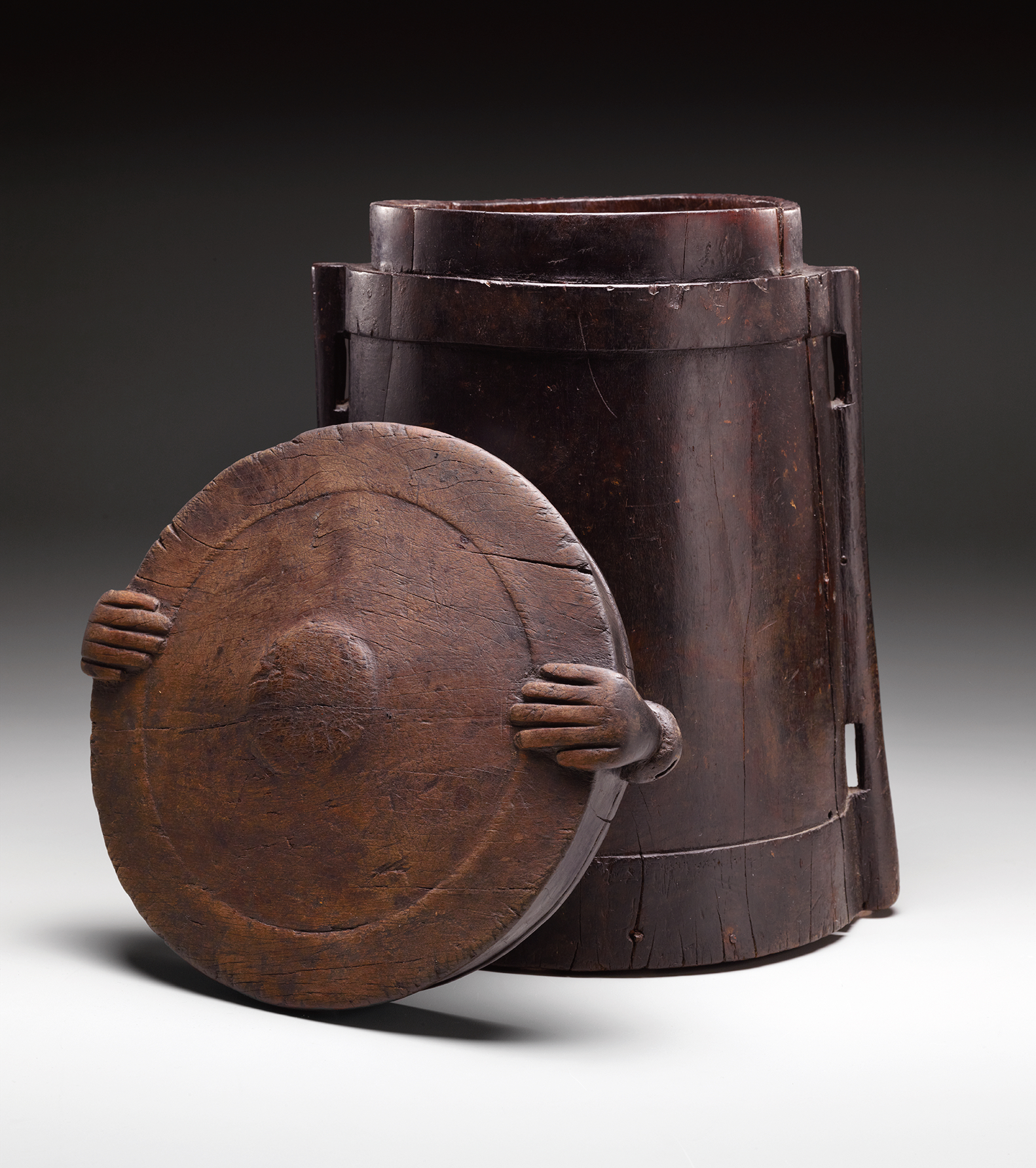 Aristocratic Wooden Storage Container with Human Hands © Dallas Museum of Art | Texas, USA