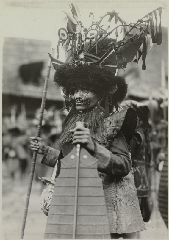 Warrior in Full Regalia | South Nias | 1906-1915 © Nationaal Museum van Wereldculturen | The Netherlands