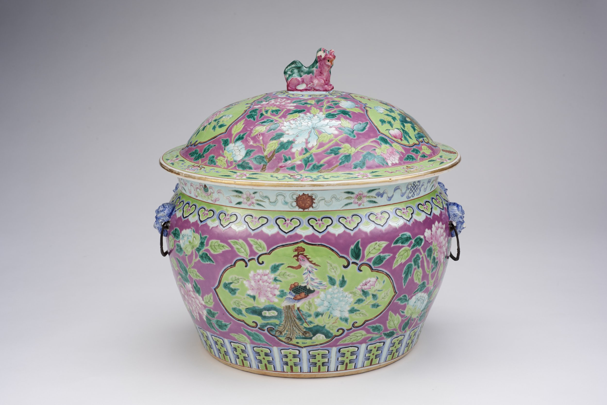 Kamcheng.  Guangxu period (1875-1908), Qing dynasty Ceramic, H: 22.0 x D: 30.4 Asian Civilisations Museum; Gift of Mrs Khoo Soo Beow in memory of her husband. Image courtesy of the Asian Civilisations Museum.