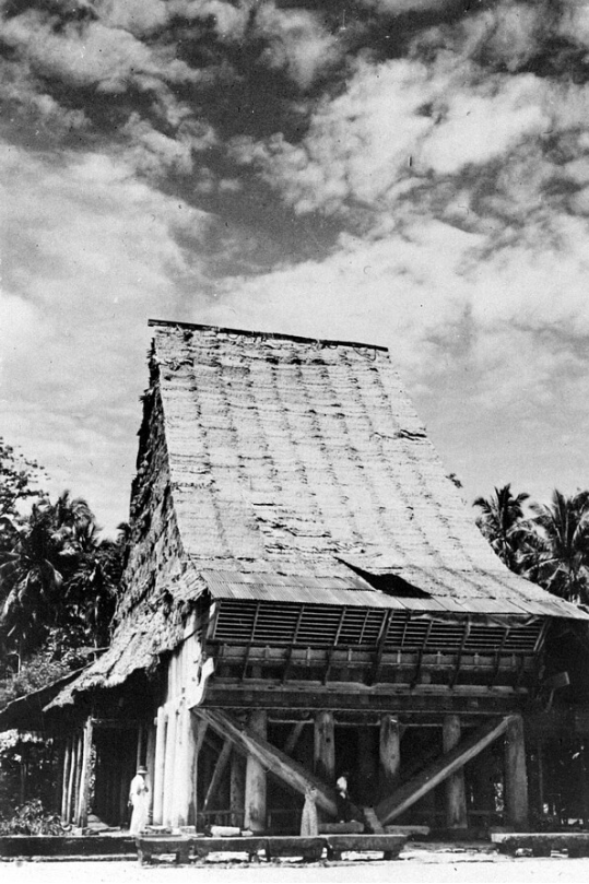House of the Leader of Seboeasi, Baroejoe Lasara, Telo Island © Nationaal Museum van Wereldculturen | The Netherlands