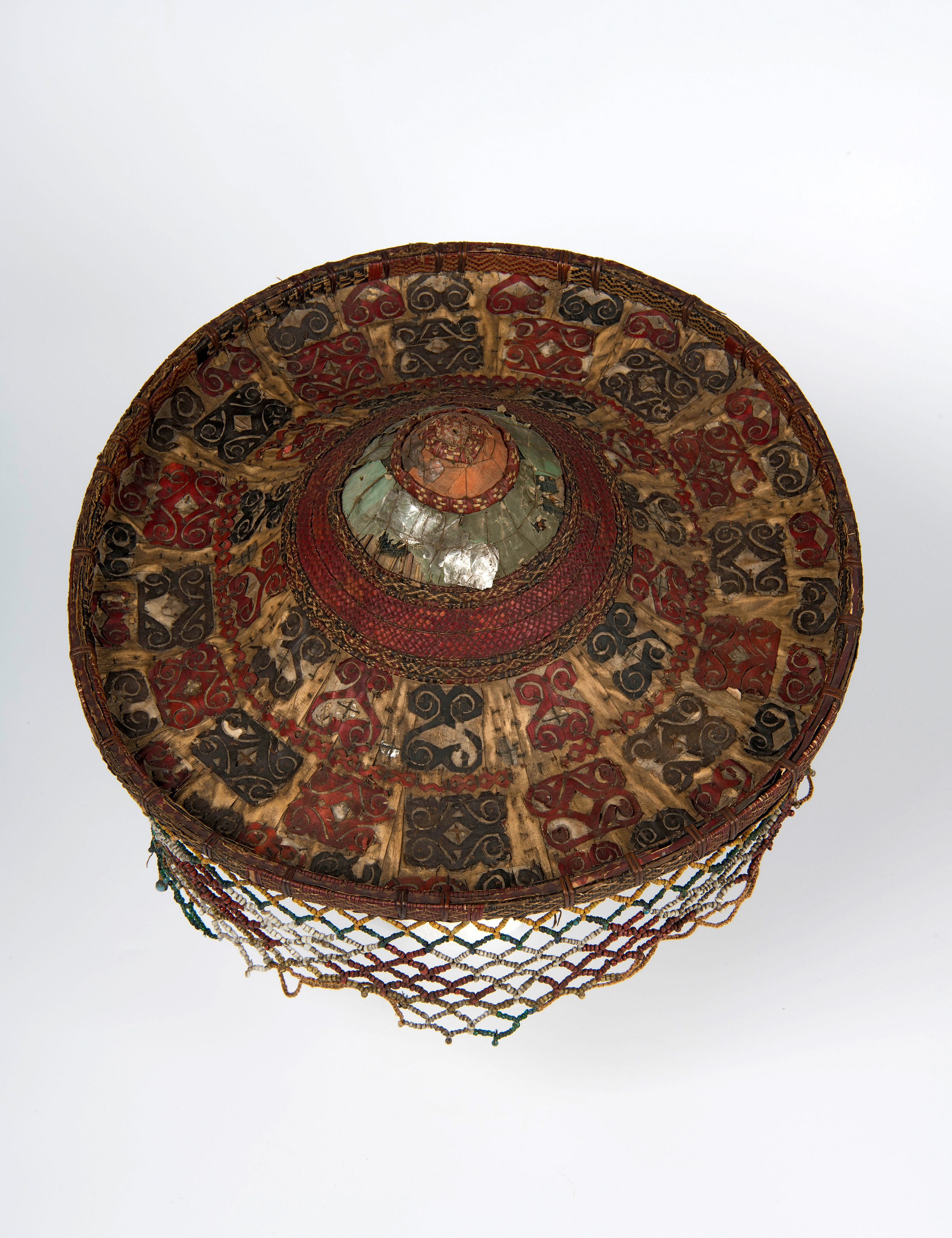 Priest hat - Tindung; rattan, mica, cotton, beads; Sulawesi; before 1884. Collection of the National Museum of World Cultures Foundation