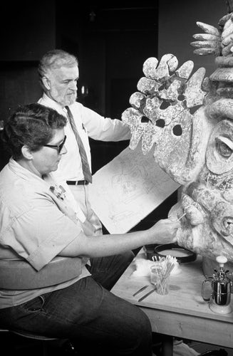 John Lunsford and Joanne Griffith with an ancient artwork shown circa 1980. © Dallas Museum of Art