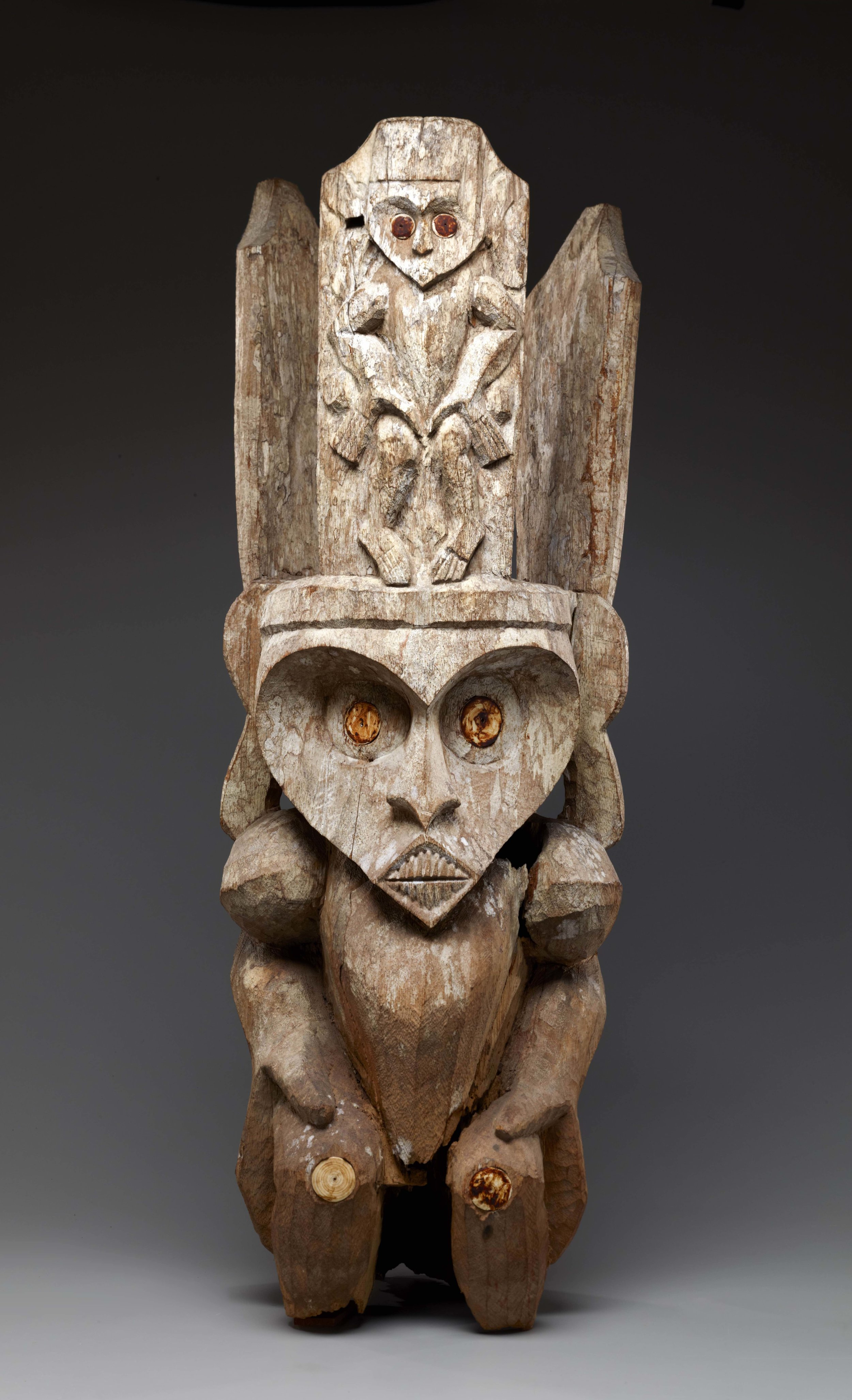 Figure from the Top of a Funerary Post |  Jihe  | Borneo © The Dallas Museum of Art | Texas, USA