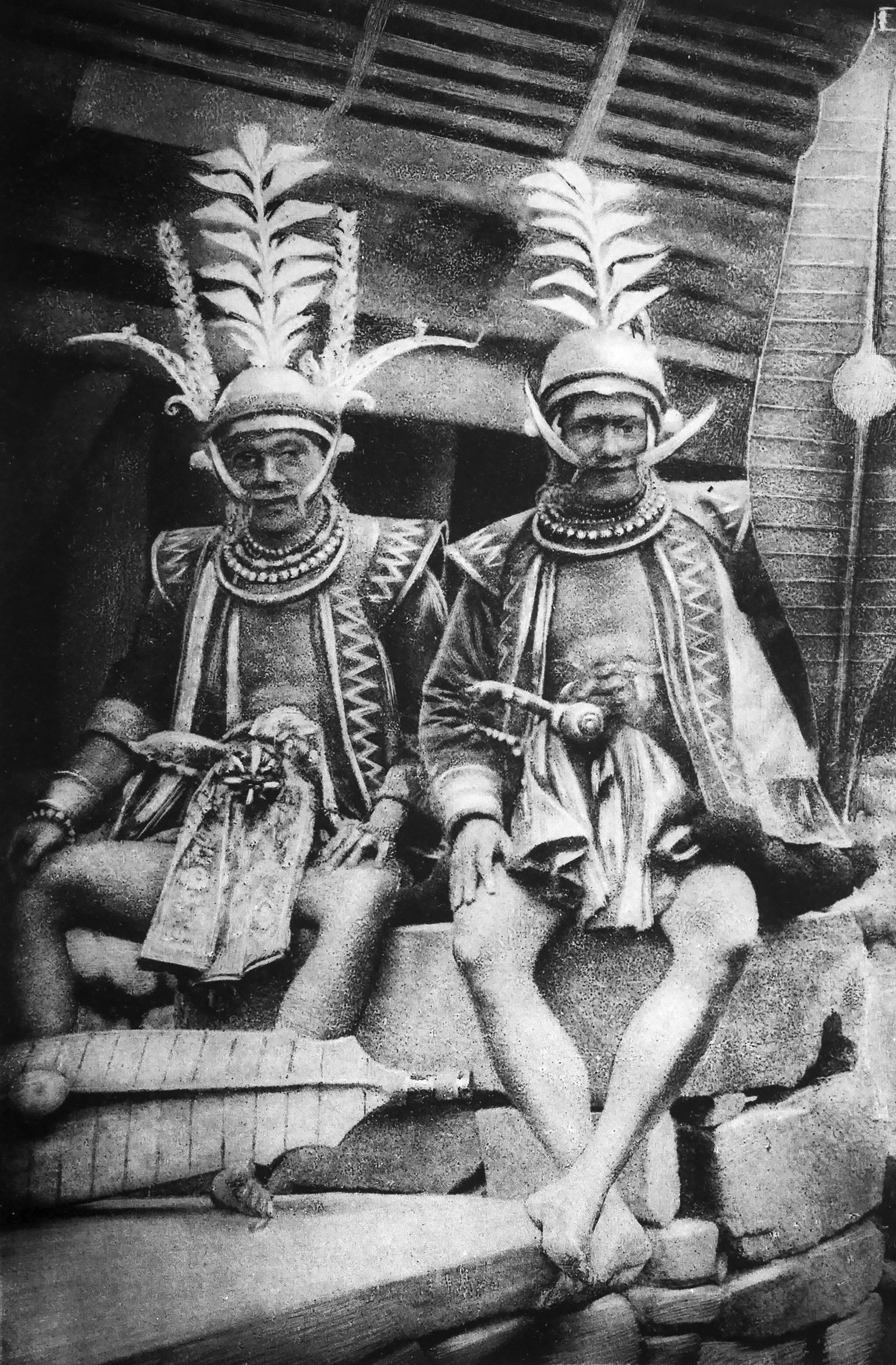 Noblemen from Hili Dgiòno, South Nias, wearing an abundance of jewelry, showing their rank in their golden crowns, moustaches, earrings, different types of necklaces and bracelets. (Photograph Modigliani 1890: fig.4)