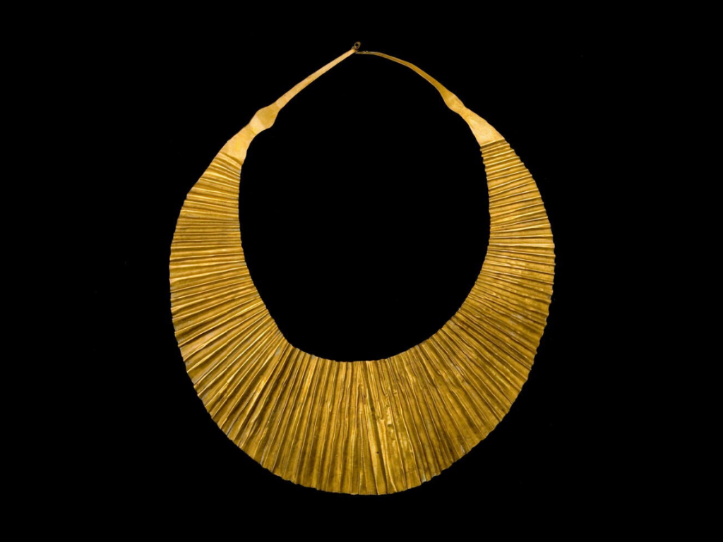 Necklace in the Shape of a Half Moon, Nias, Before 1883. © Nationaal Museum van Wereldculturen   The Netherlands