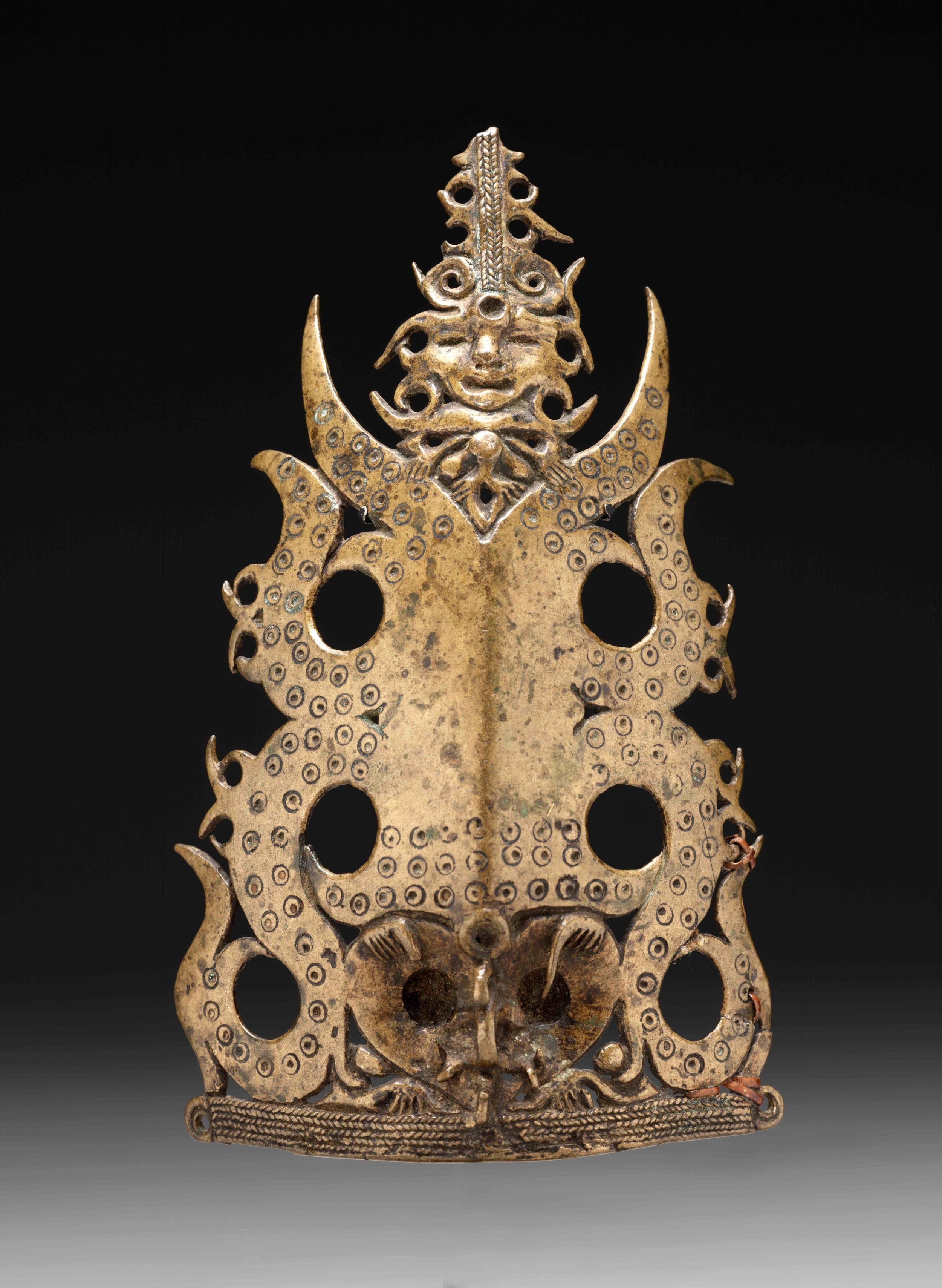 Warrior's Headdress Ornament, Frontal Figure |  Tap Lavong Kayo  © The Dallas Museum of Art | Texas, USA