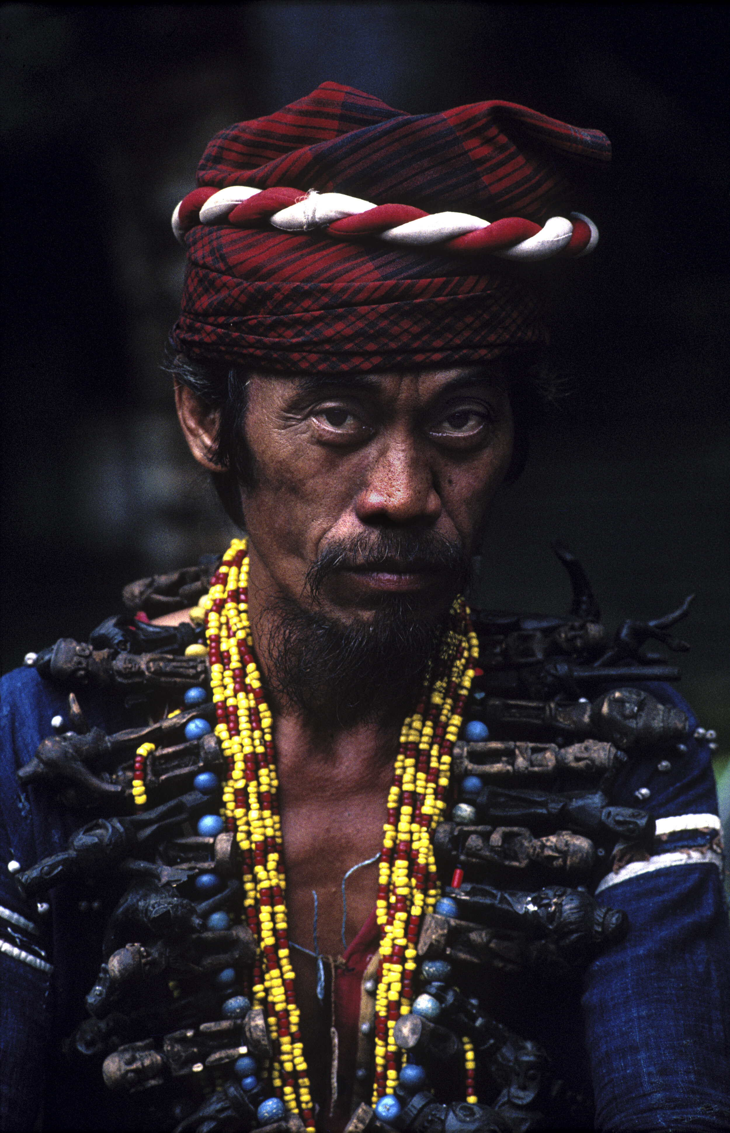 A shaman of the Benuaq Dayak tribe in the lakes area of the mid-section of the Mahakam River. 1990. © Rio Helmi