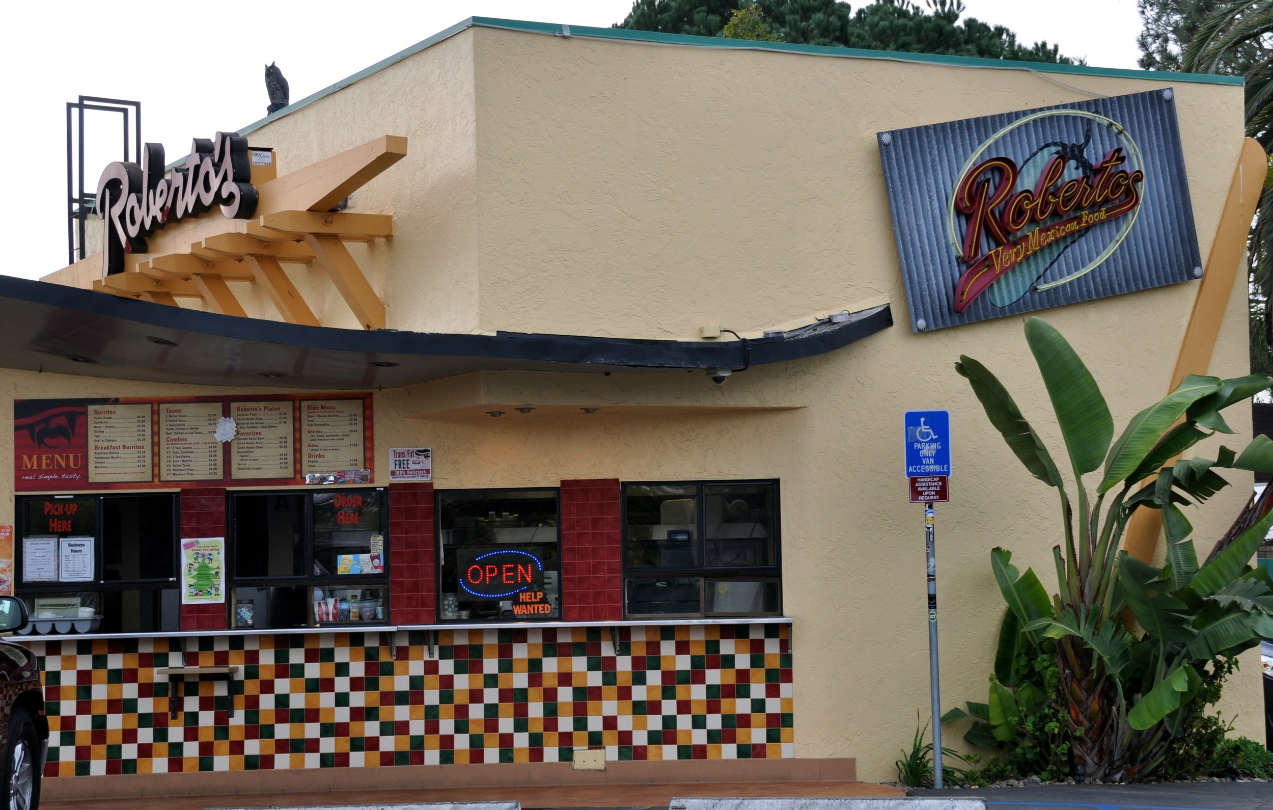 Roberto's - Low-key fast-food taco shopRecs: Machaca Burrito, Cheese Quesadilla and any lunch burrito