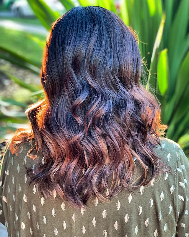 Loving those warm Rose Gold Tones and natural waves.