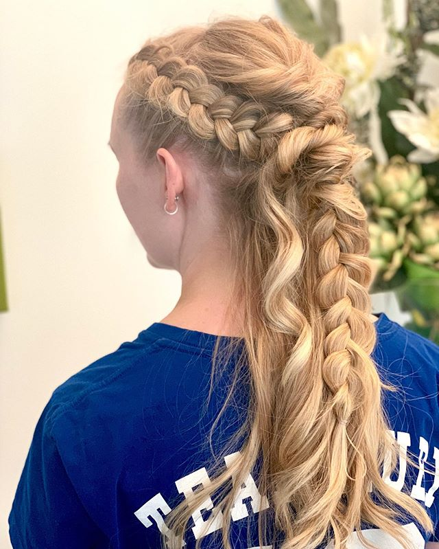 Gorgeous highlights and upstyle . . #braids #braidstyles #upstyle #upstyles #hairup #hairups #braid #hairgoals #style #fashion #hair #hairdressing #loreal #lorealprofessionnel #lorealsmartbond #blondehair #blondestudio #highlights #hairhighlights #haircolour #haircolourist #events #tangleteaser #curehairdressing #weknowcolour